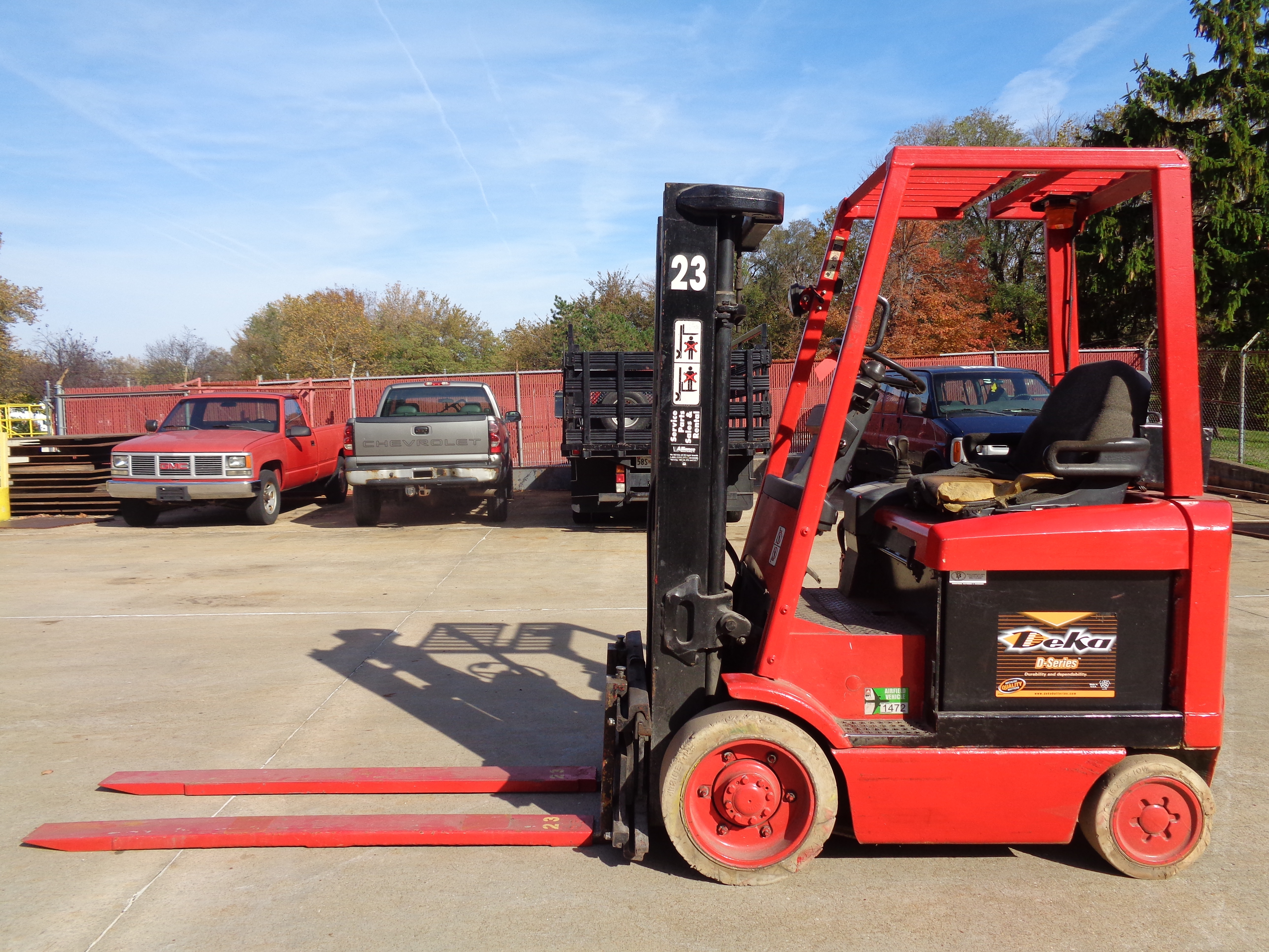 1999 Hyster E50XM-27 Forklift - 5,000 lbs
