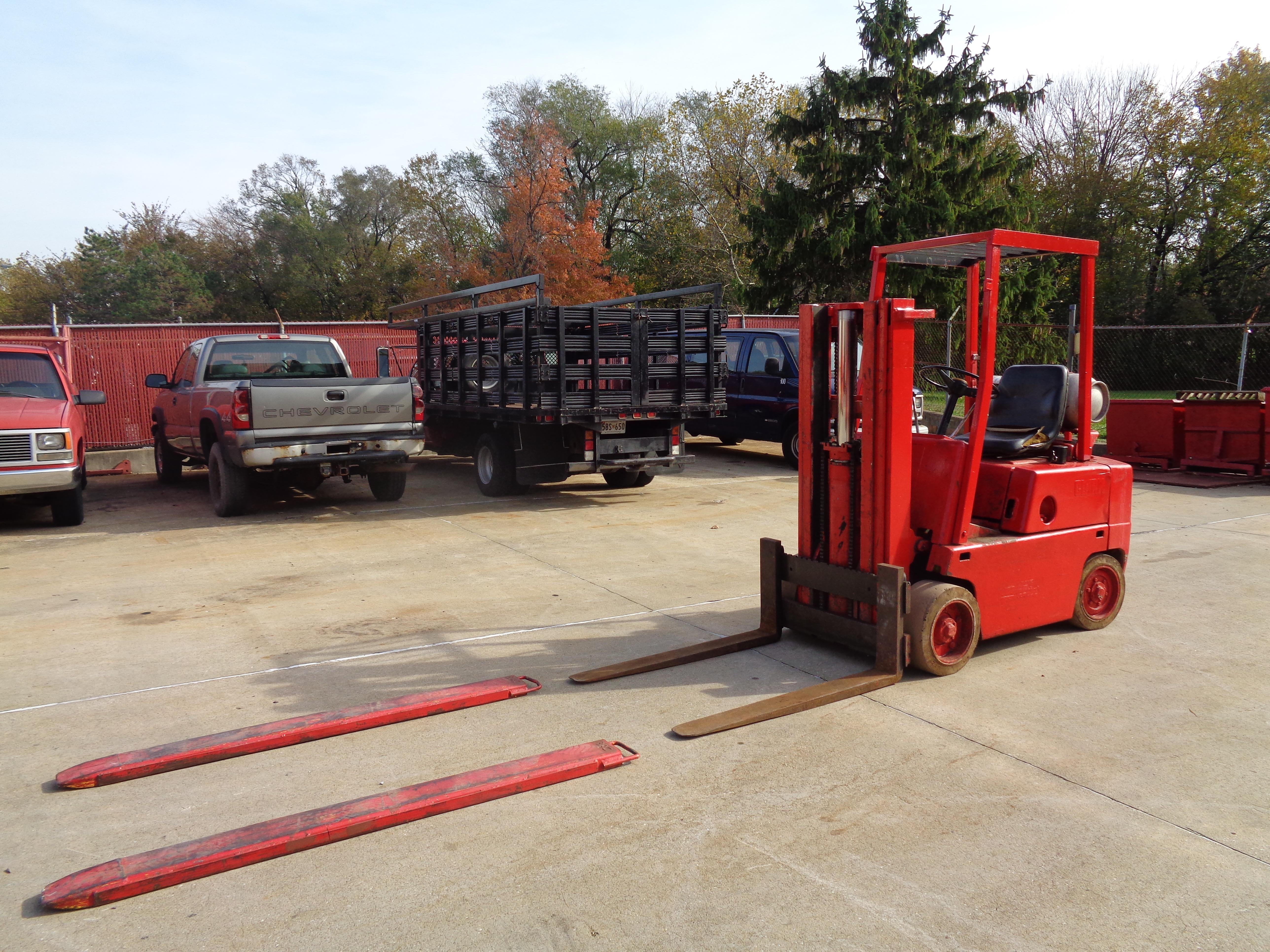 Clark C500-45 Forklift- 4,500 lbs - Image 4 of 10