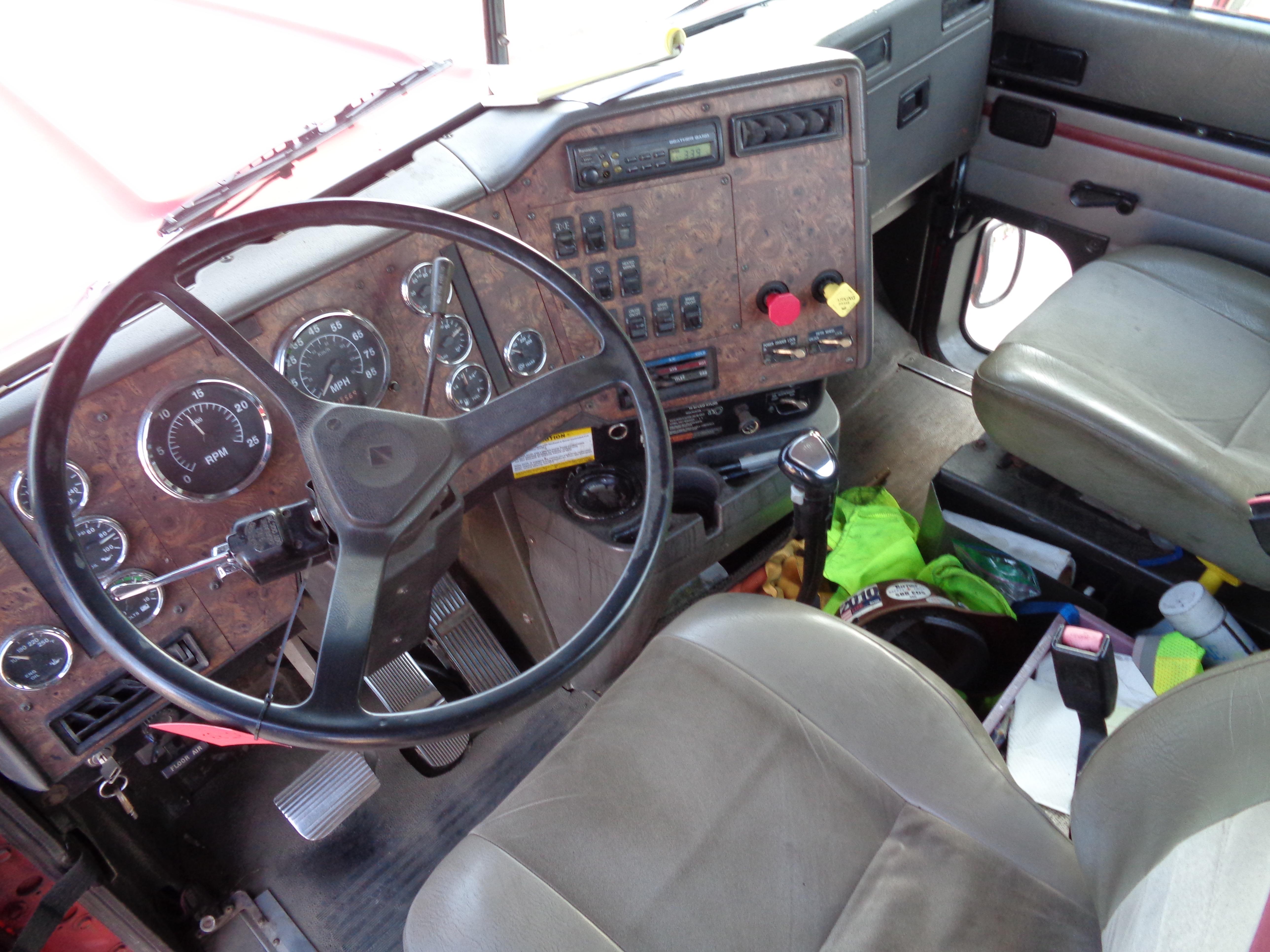 1999 International 9300 Diesel Tandem - Image 7 of 7