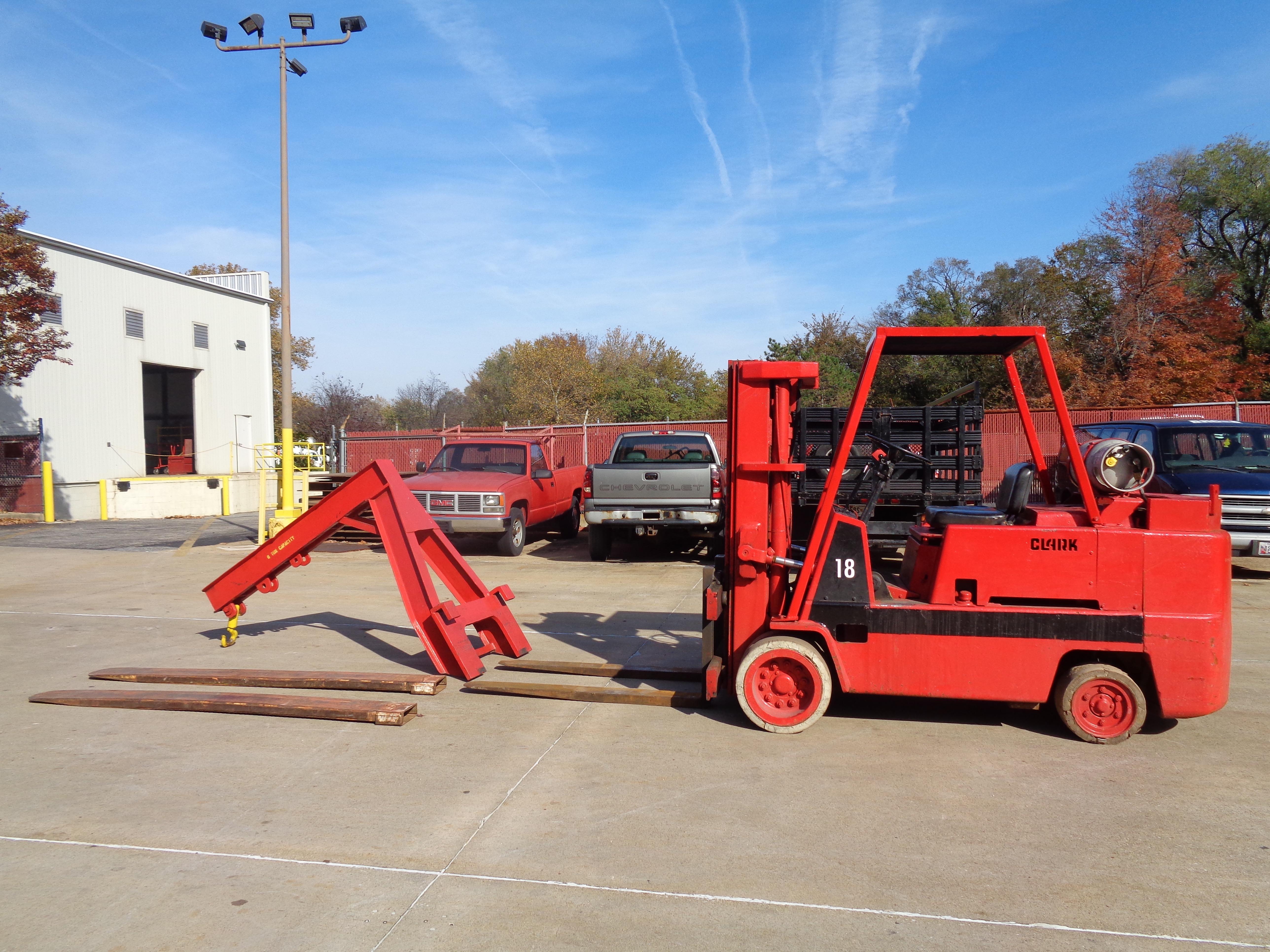 Clark C500-135 Forklift plus Boom- 14,000 lbs - Image 3 of 11