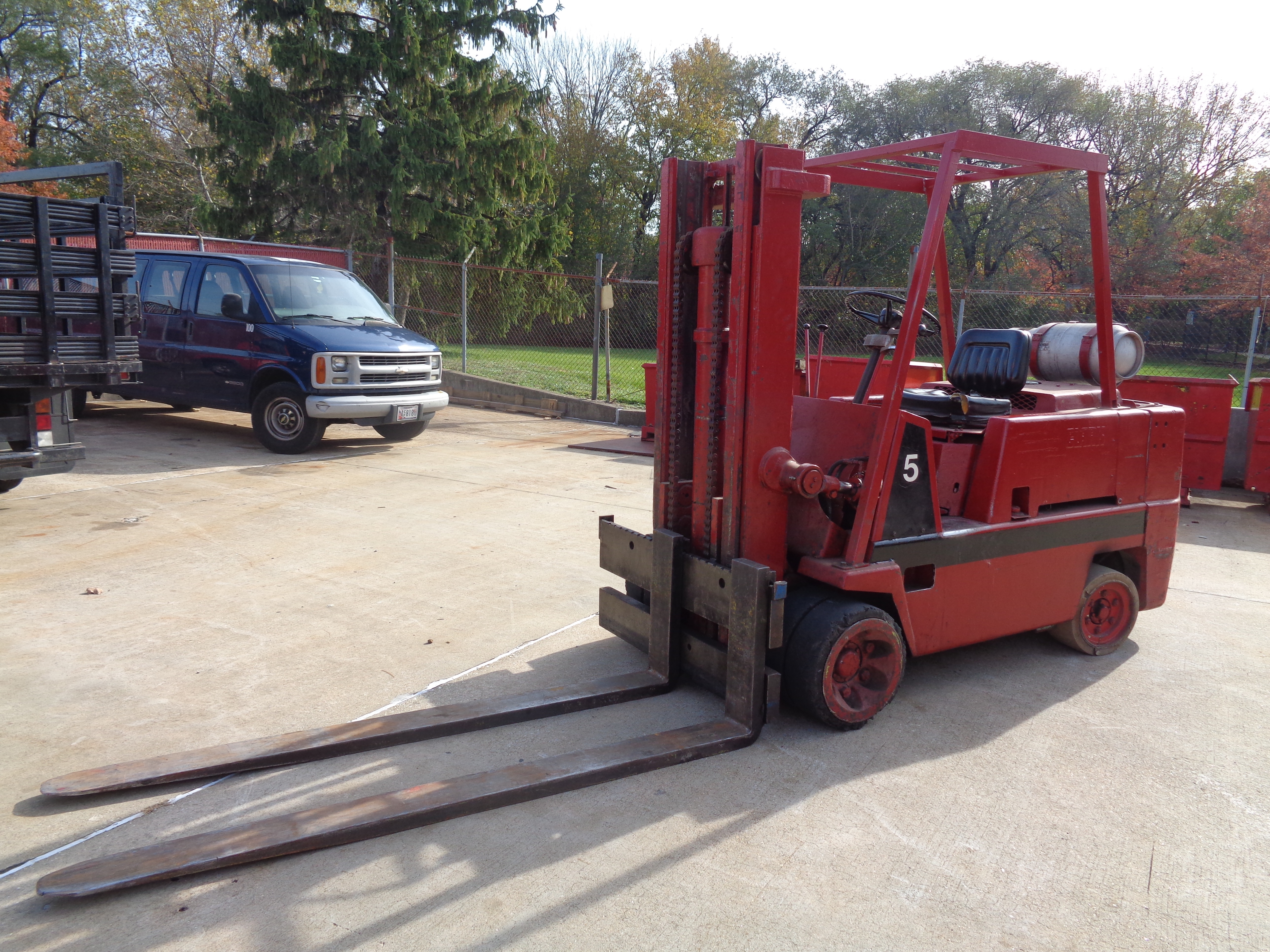 Clark C500-H120 Forklift- 12,000 lbs - Image 4 of 10