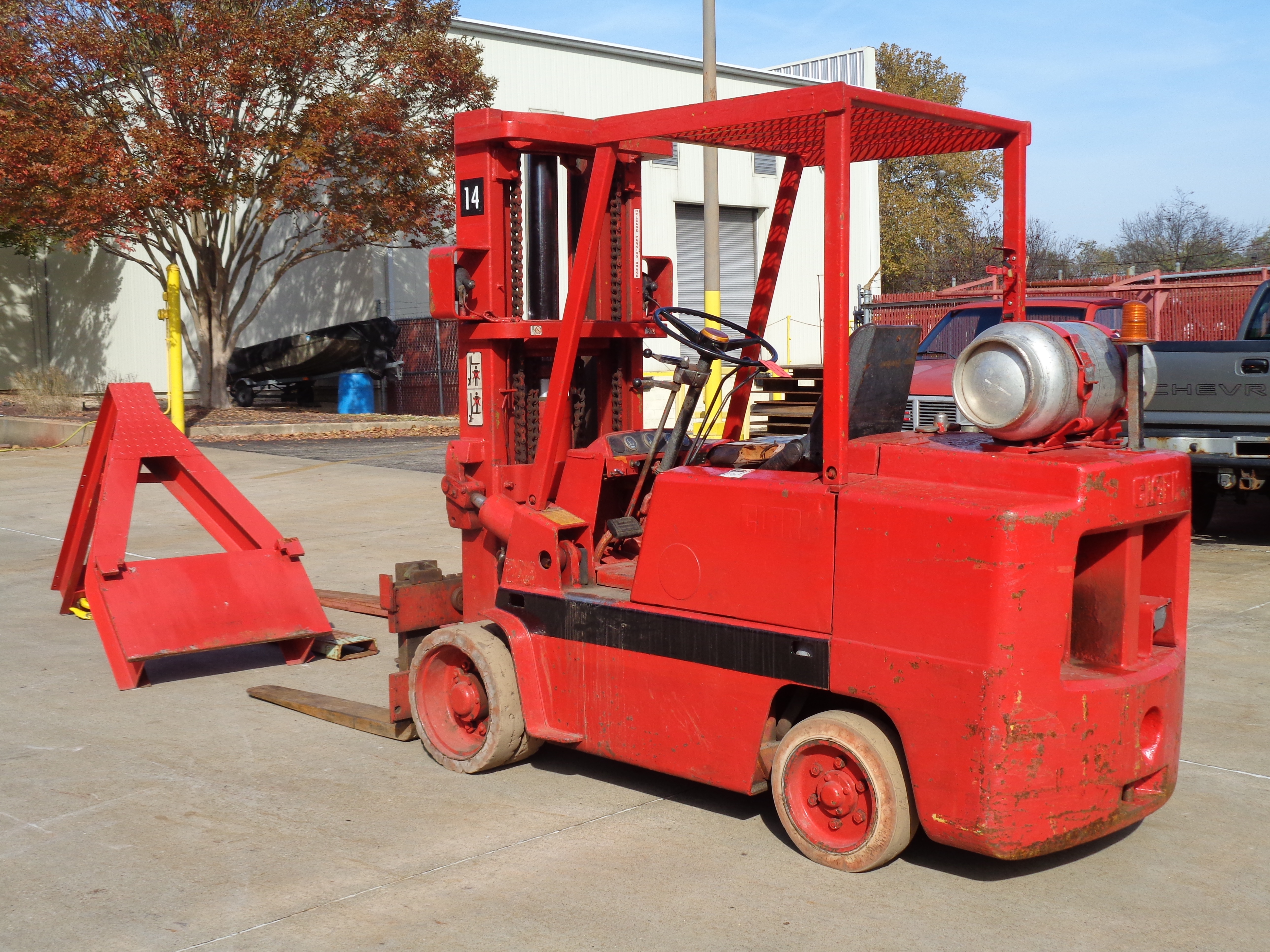 Clark C500-580 Forklift plus Boom- 8,000 lbs - Image 4 of 12