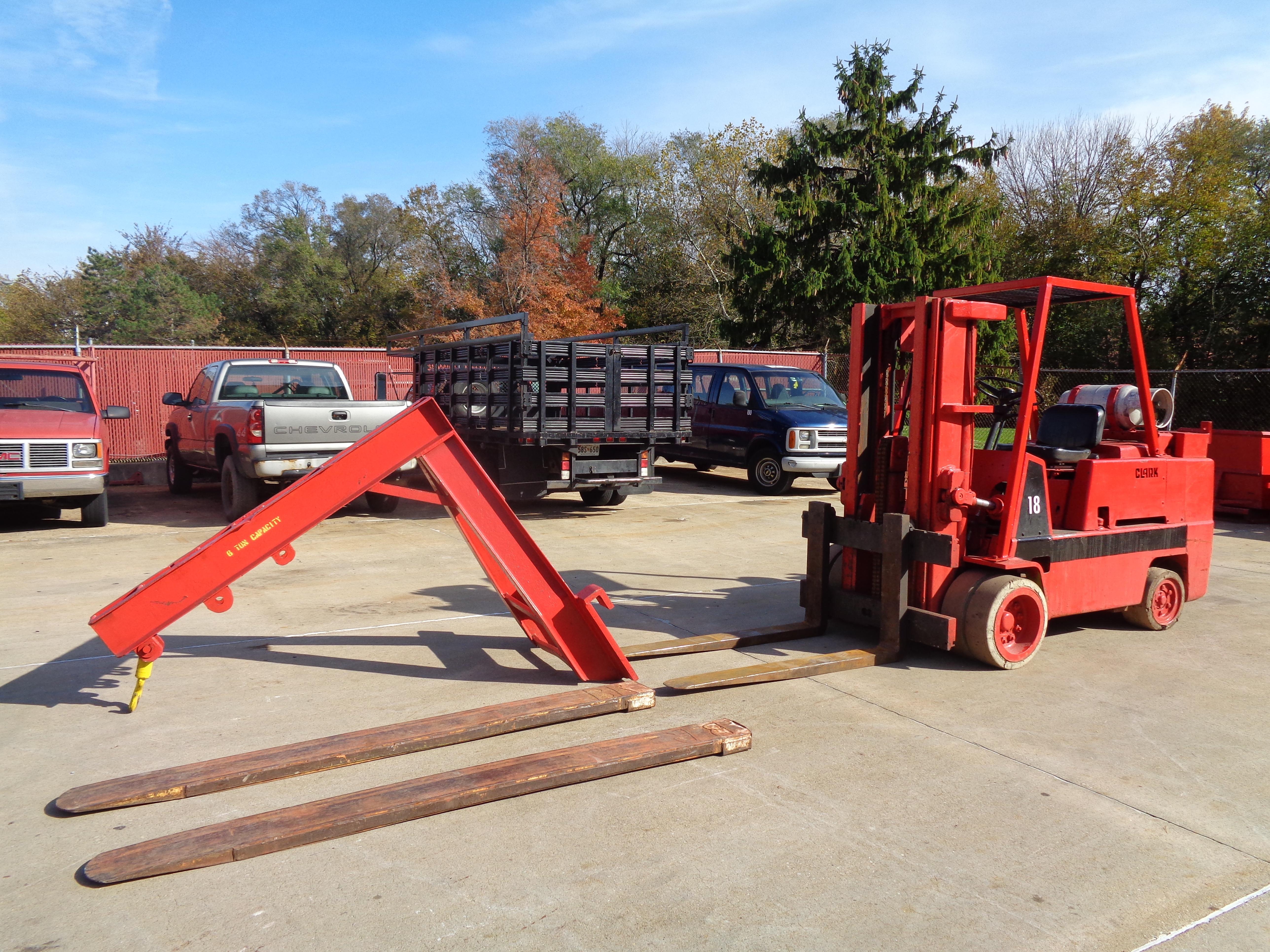 Clark C500-135 Forklift plus Boom- 14,000 lbs - Image 2 of 11