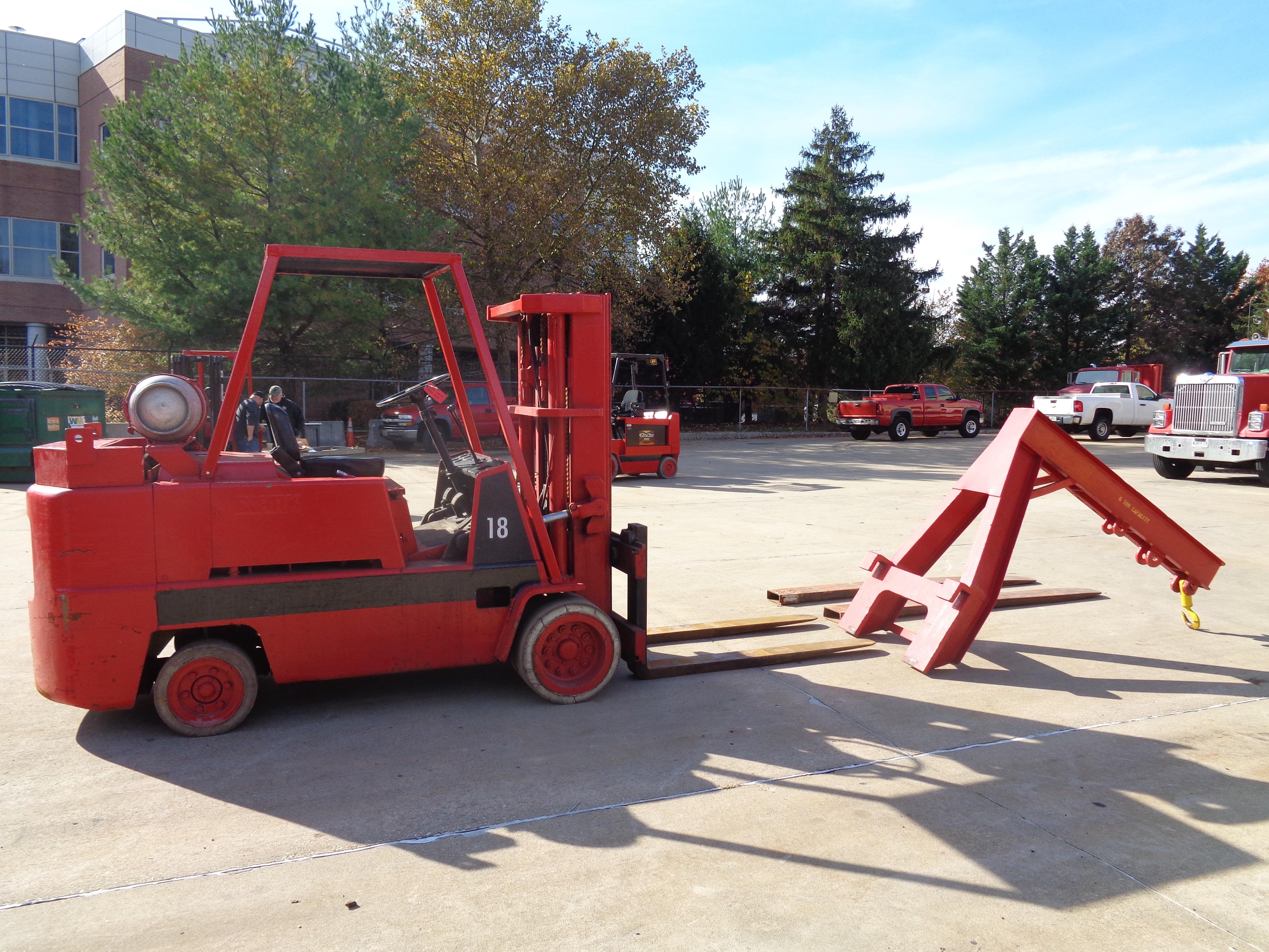 Clark C500-135 Forklift plus Boom- 14,000 lbs - Image 6 of 11