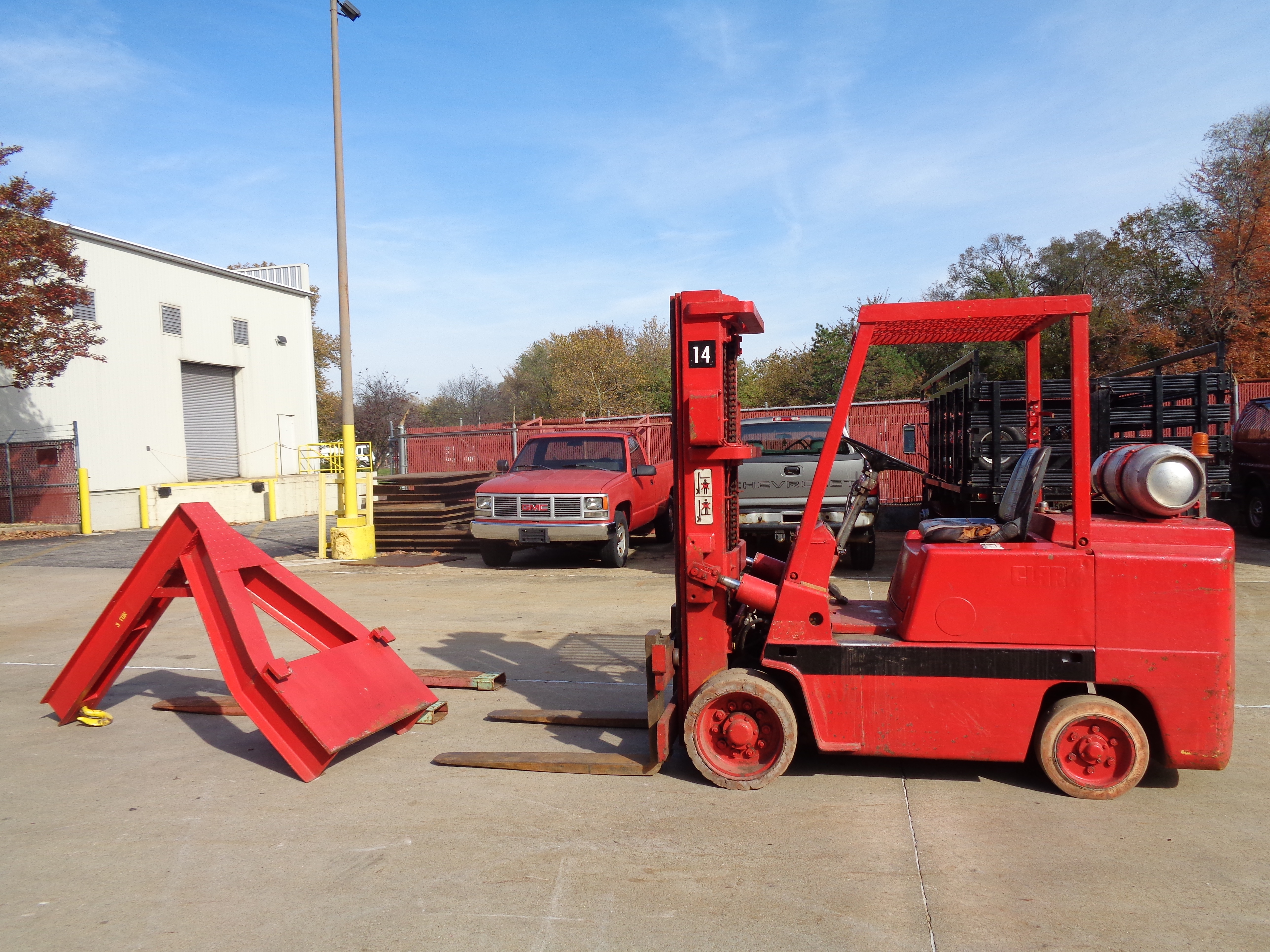 Clark C500-580 Forklift plus Boom- 8,000 lbs - Image 3 of 12