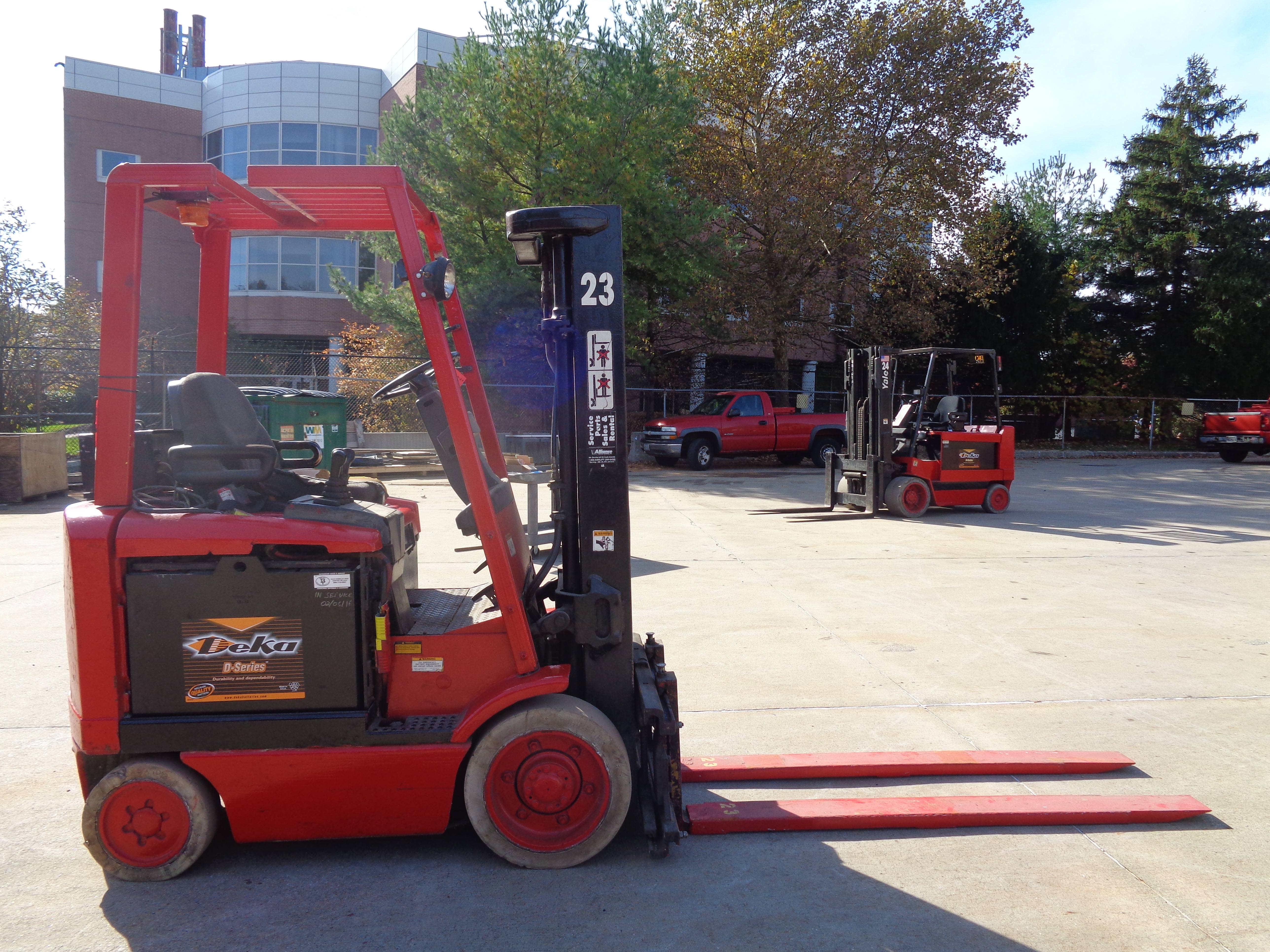 1999 Hyster E50XM-27 Forklift - 5,000 lbs - Image 2 of 5
