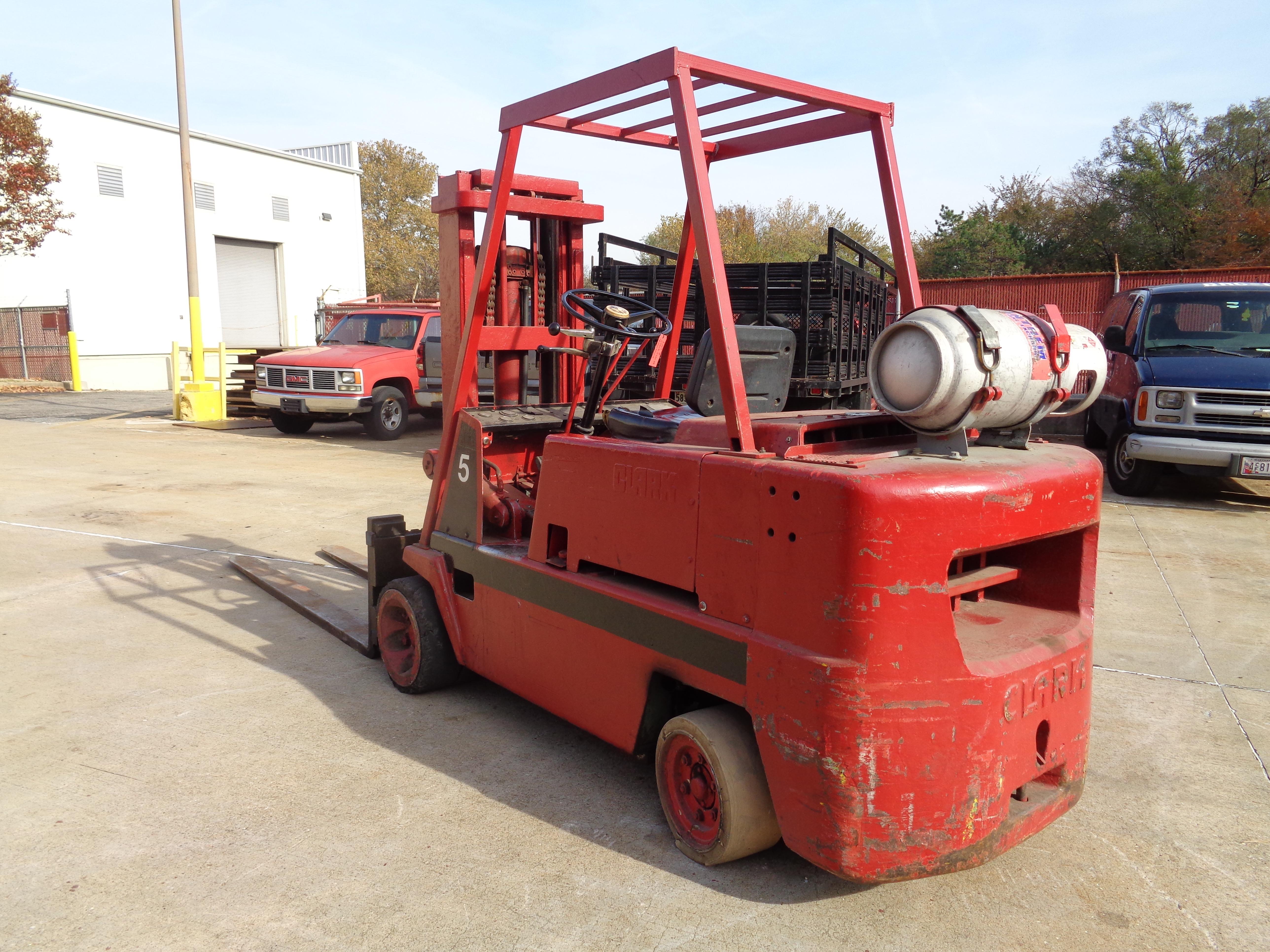 Clark C120-35 Forklift - 12,000 lbs - Image 3 of 6