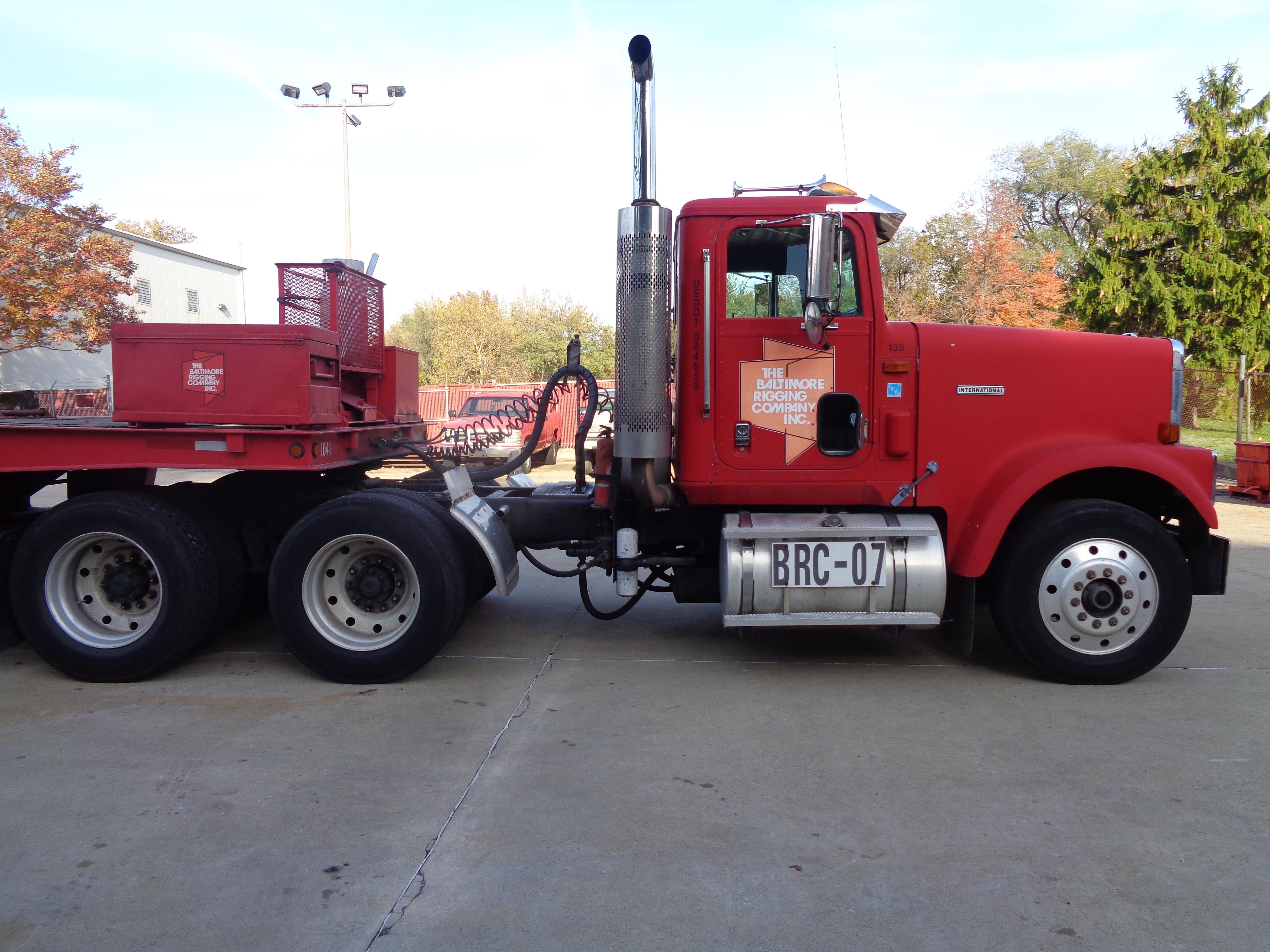 1999 International 9300 Diesel Tandem