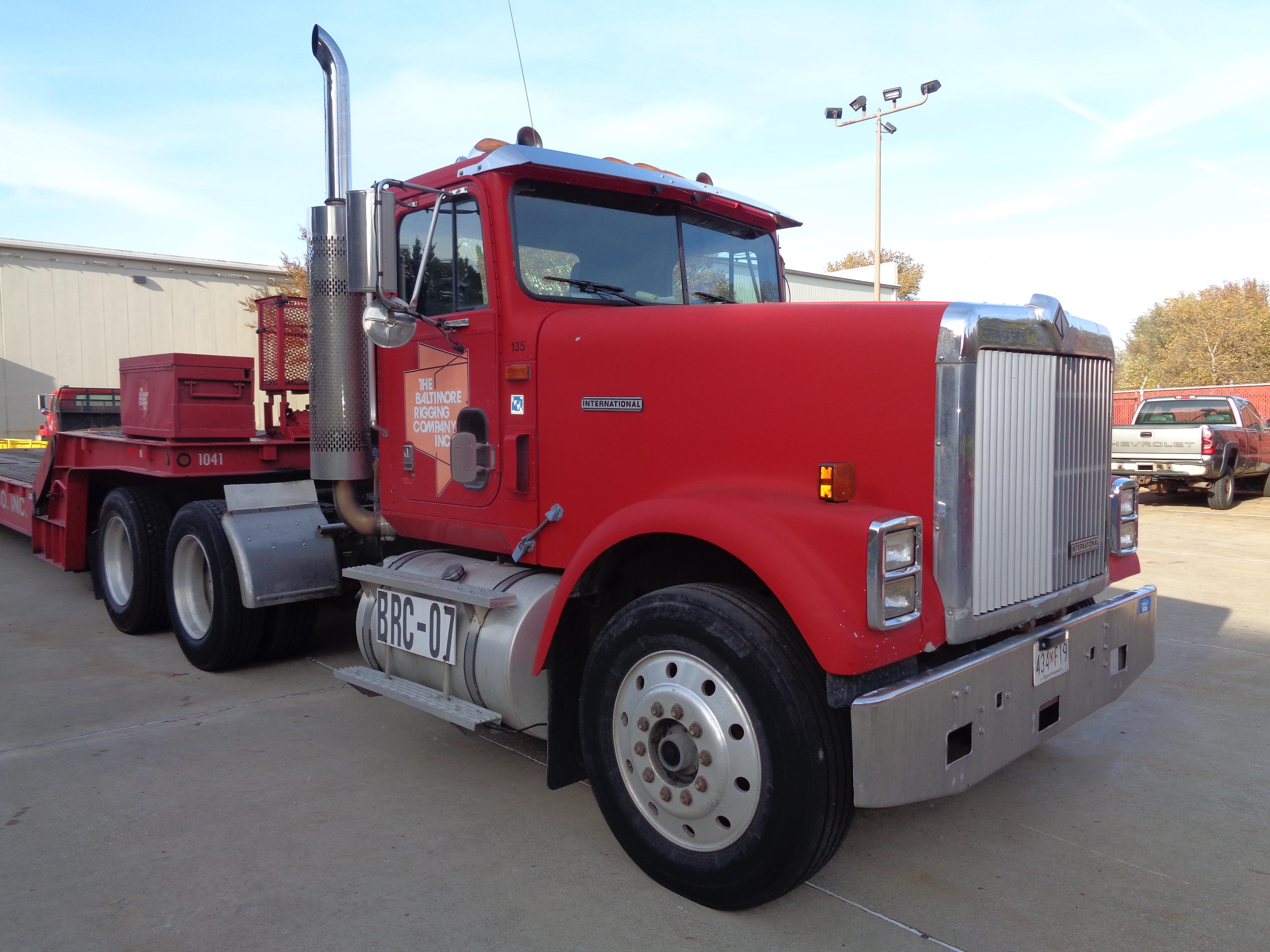 1999 International 9300 Diesel Tandem - Image 2 of 7