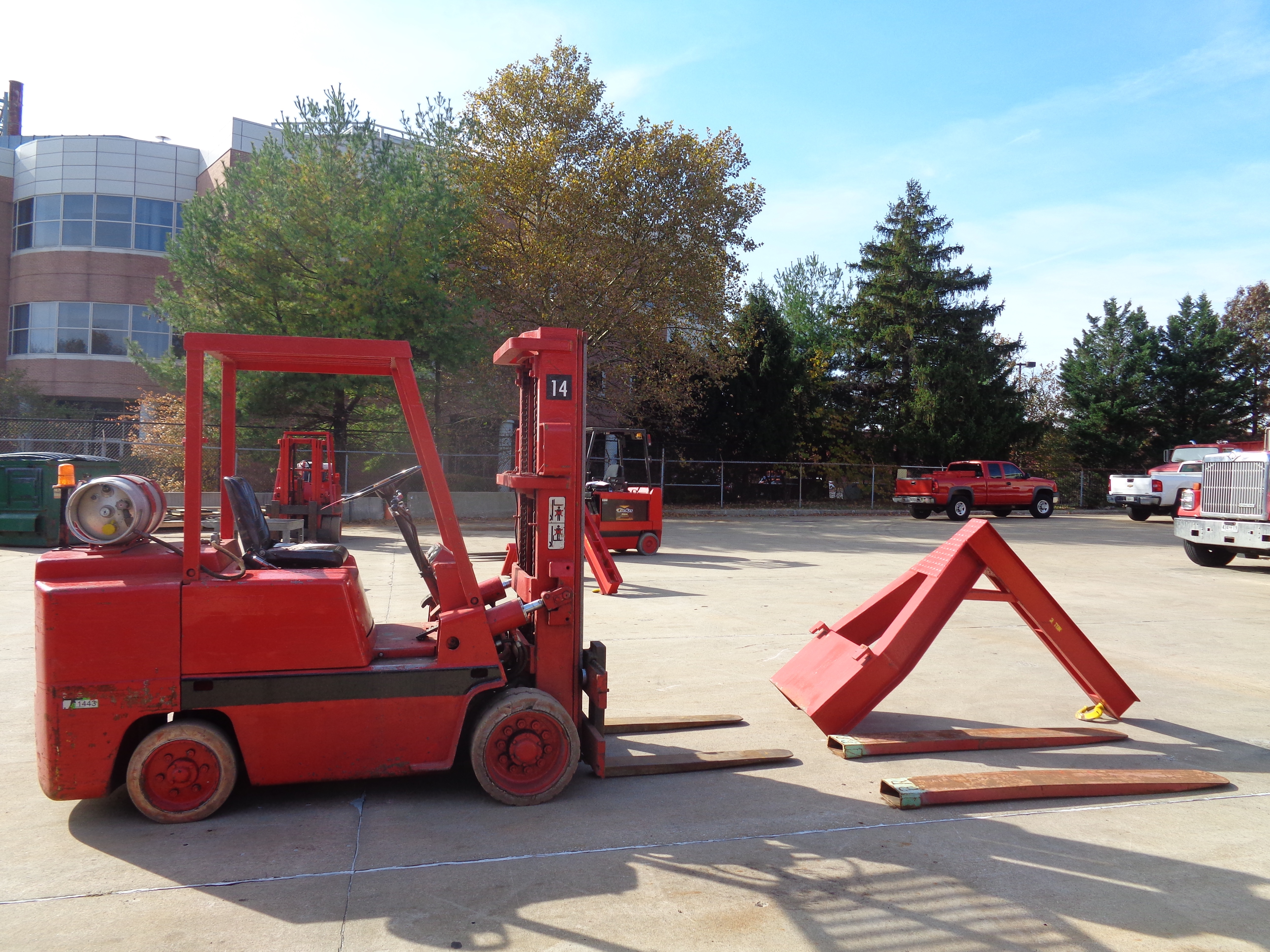 Clark C500-580 Forklift plus Boom- 8,000 lbs - Image 6 of 12