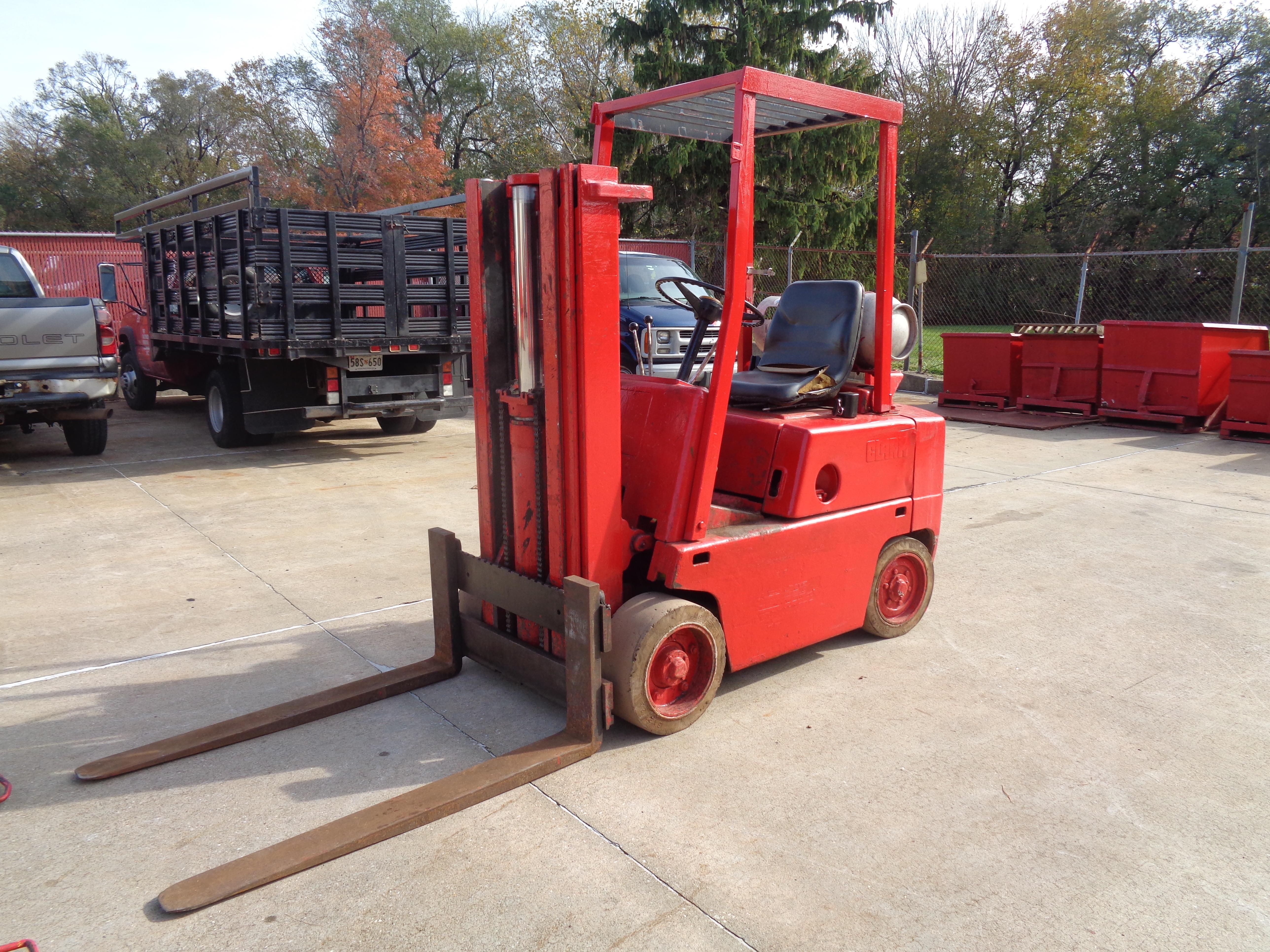 Clark C500-45 Forklift- 4,500 lbs - Image 5 of 10