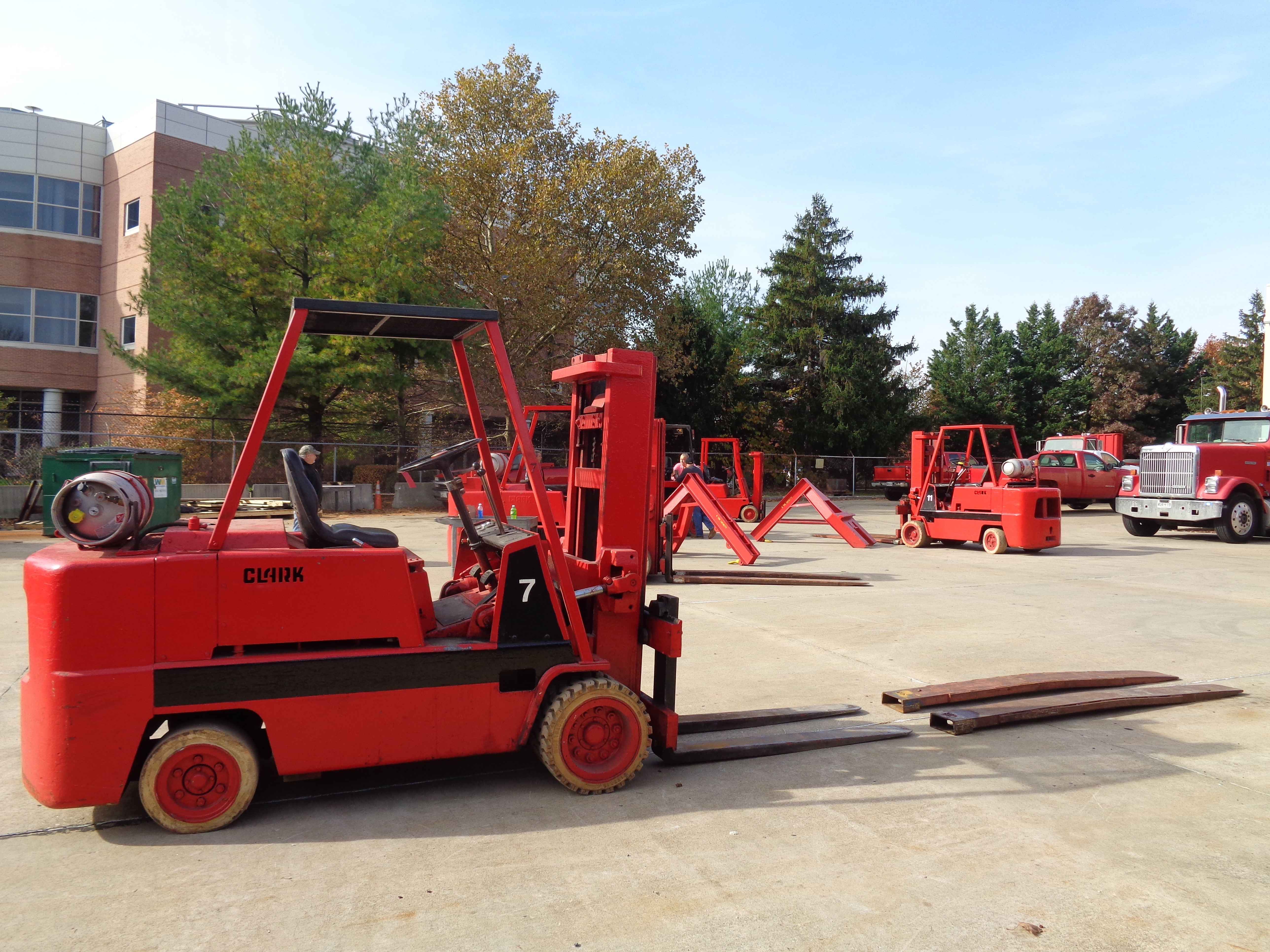 Clark C500-H120 Forklift- 12,000 lbs - Image 8 of 10