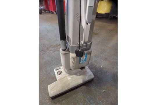 Lindhaus CH Pro Upright Vacuum Cleaner