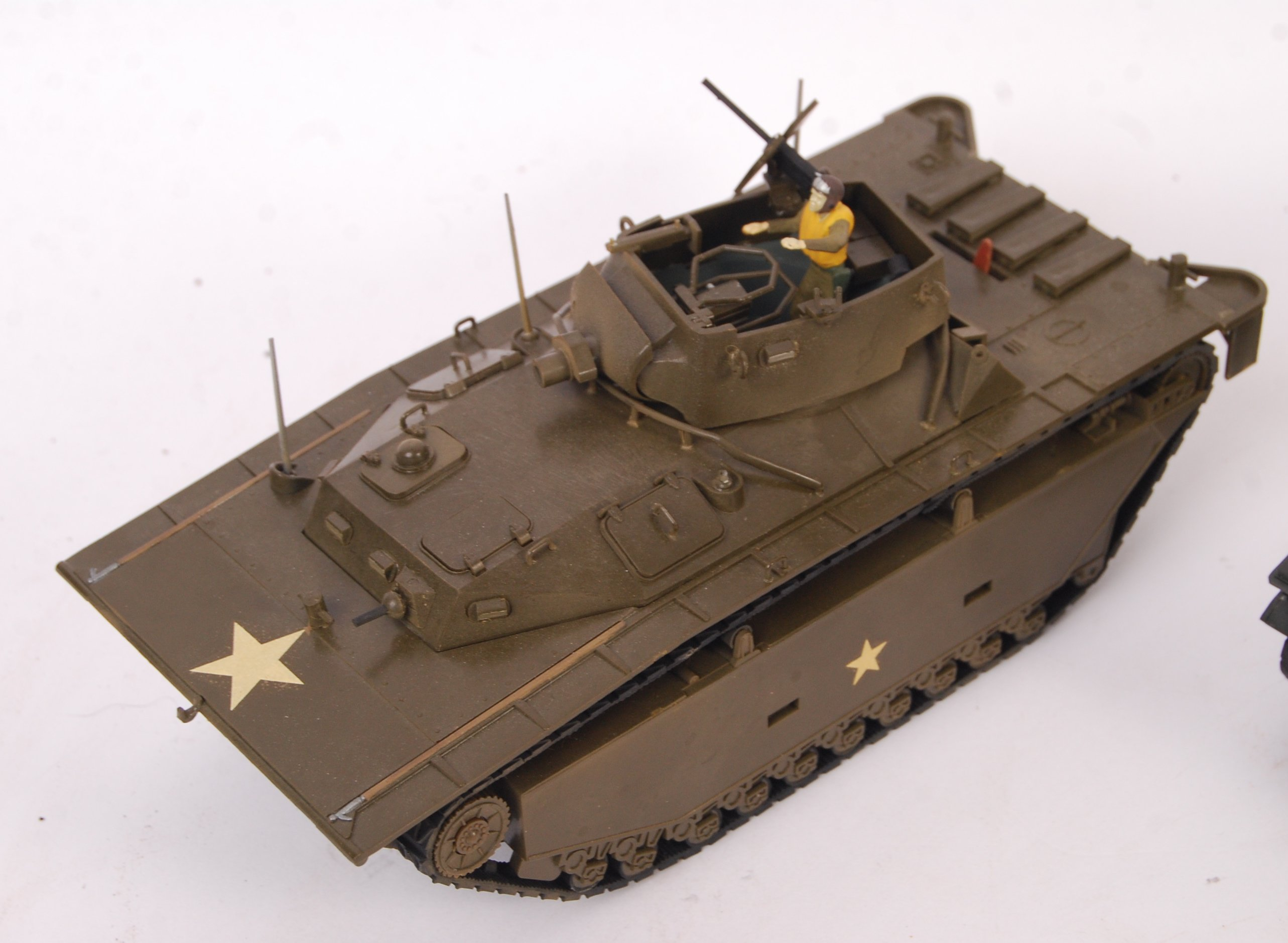 Lot 263 - COLLECTION OF 4X JAPANESE 1/35 SCALE MODEL TANKS