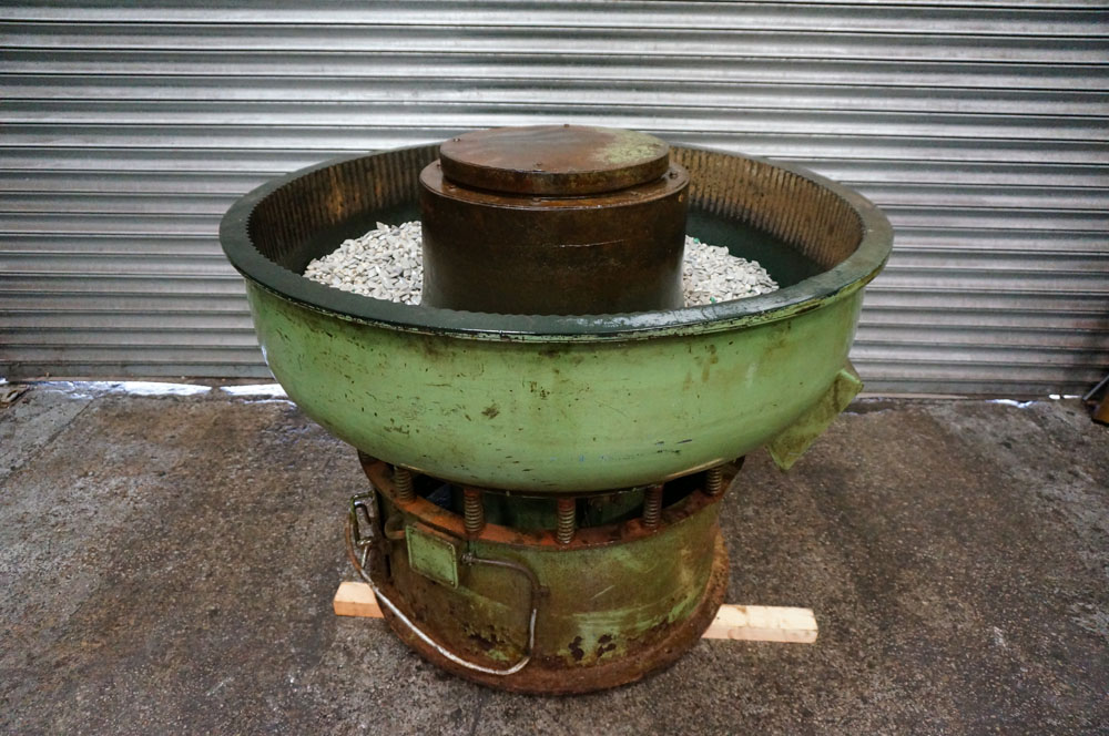 PDJ Vibratory Circular Bowl Finisher. Chamber Size 280 litre. Bowl Diameter 1300mm.