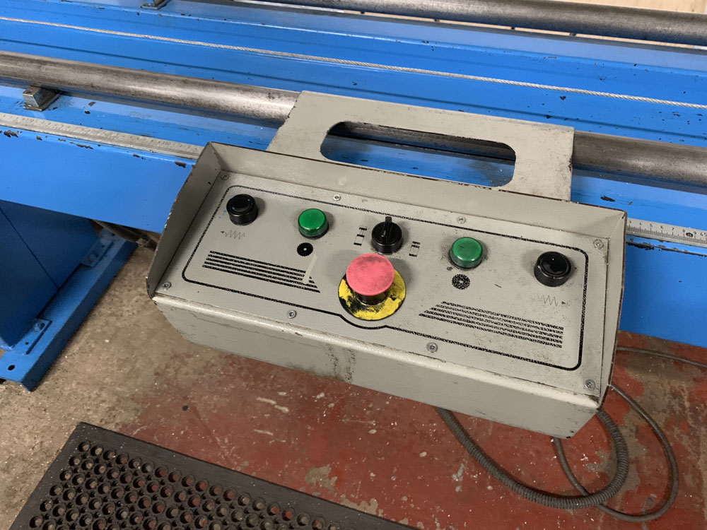 Pertici Univer Model 332P Twin Headed Mitering Sawing Machine. - Image 14 of 17