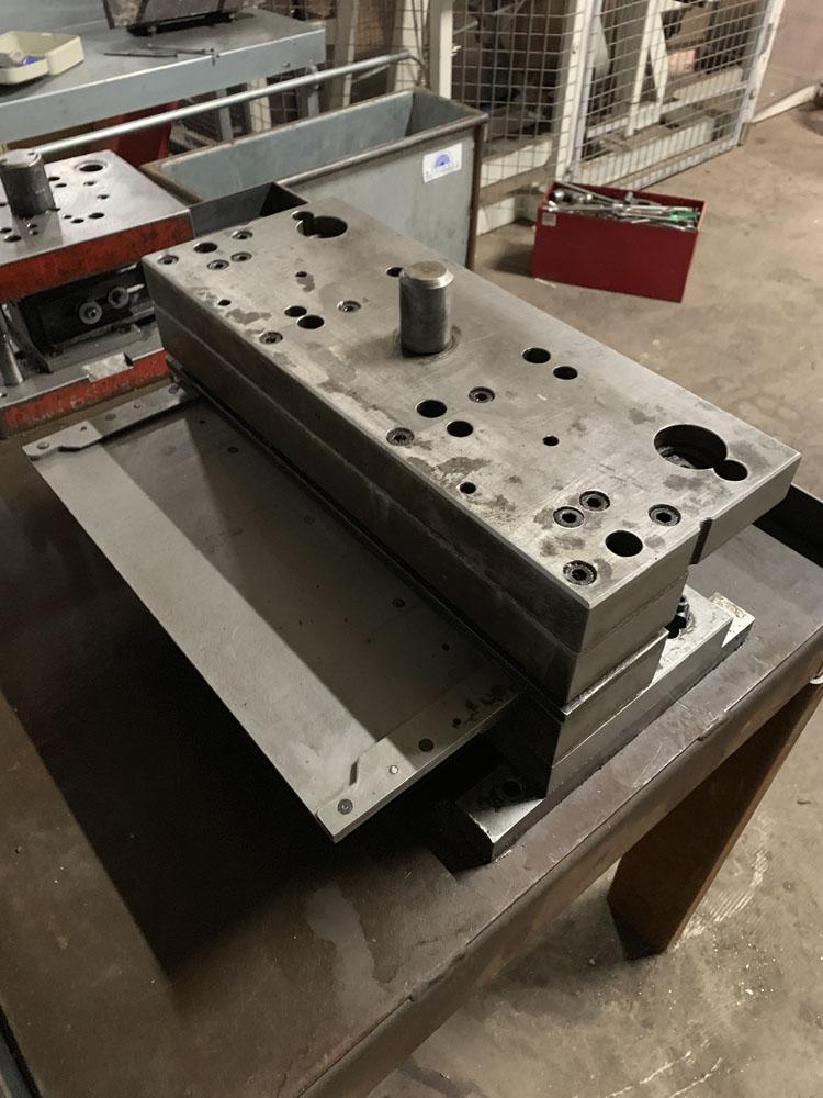 2 x Press Tools. - Image 3 of 4