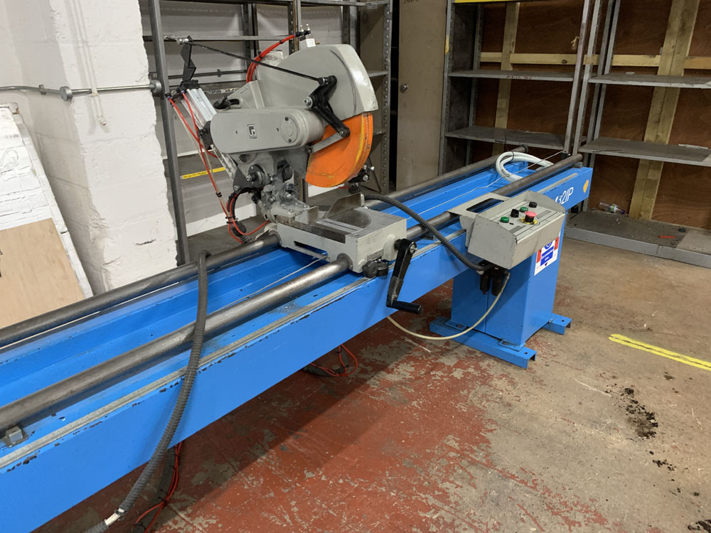 Pertici Univer Model 332P Twin Headed Mitering Sawing Machine. - Image 12 of 17