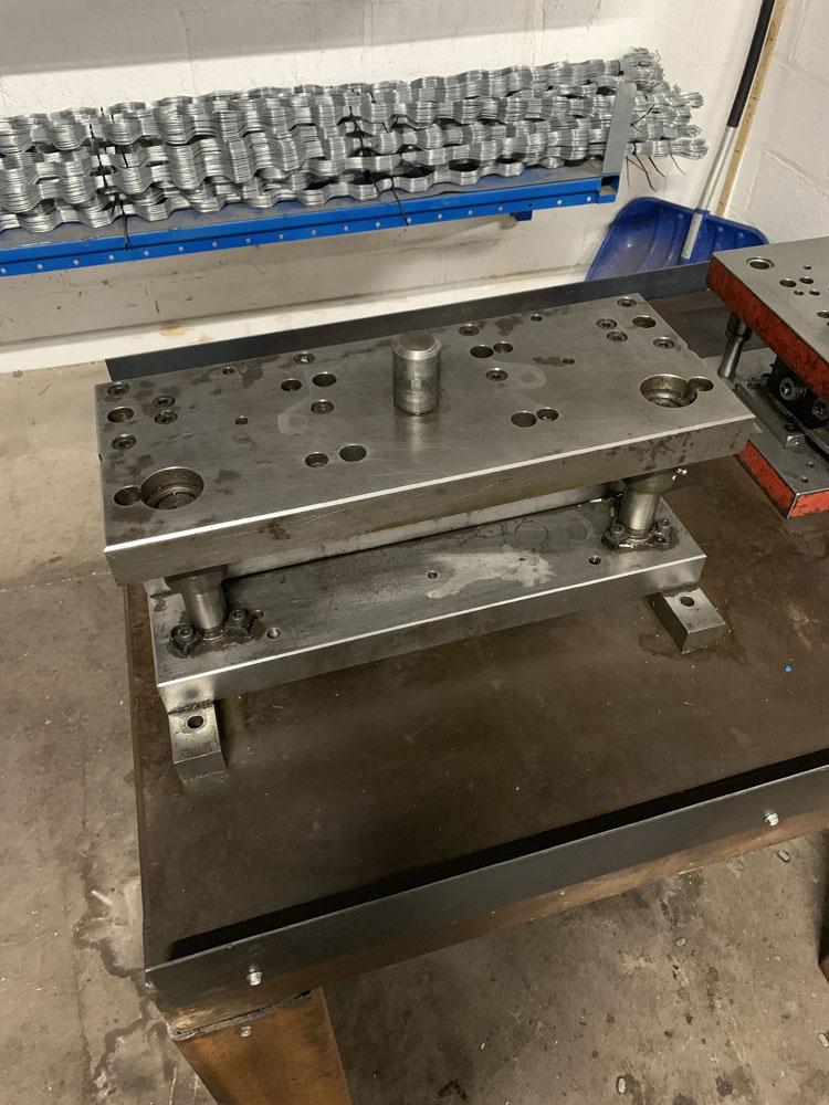 2 x Press Tools. - Image 2 of 4