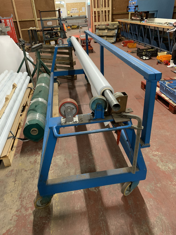 """Mobile Material roller with cutting off rest. 10' (120"""") maximum material length. - Image 3 of 4"""