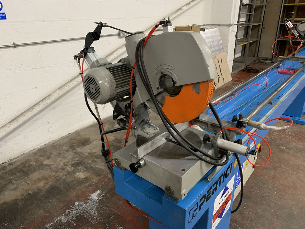 Pertici Univer Model 332P Twin Headed Mitering Sawing Machine. - Image 11 of 17