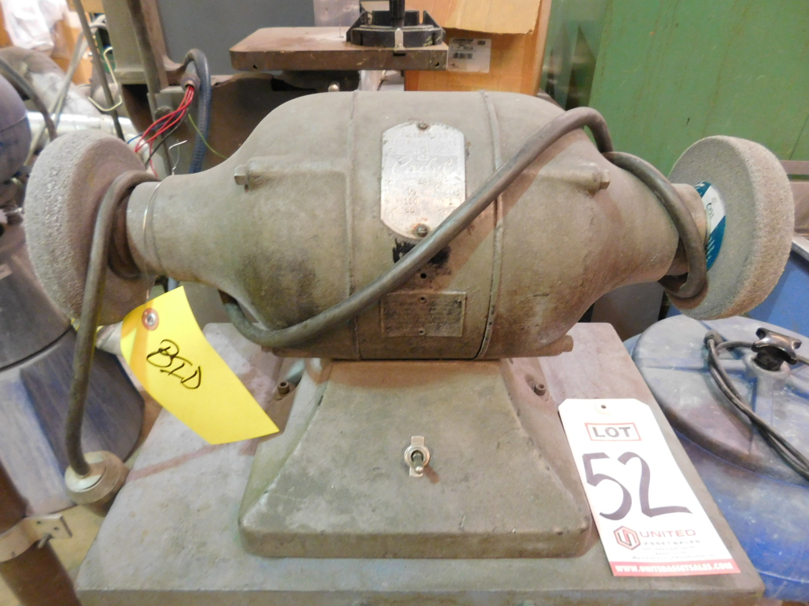 Lot 52 - DOUBLE END GRINDER W/ STAND, STANDARD ELECTRIC CADET, 1/3 HP, 3450 RPM, 110V, SINGLE PHASE