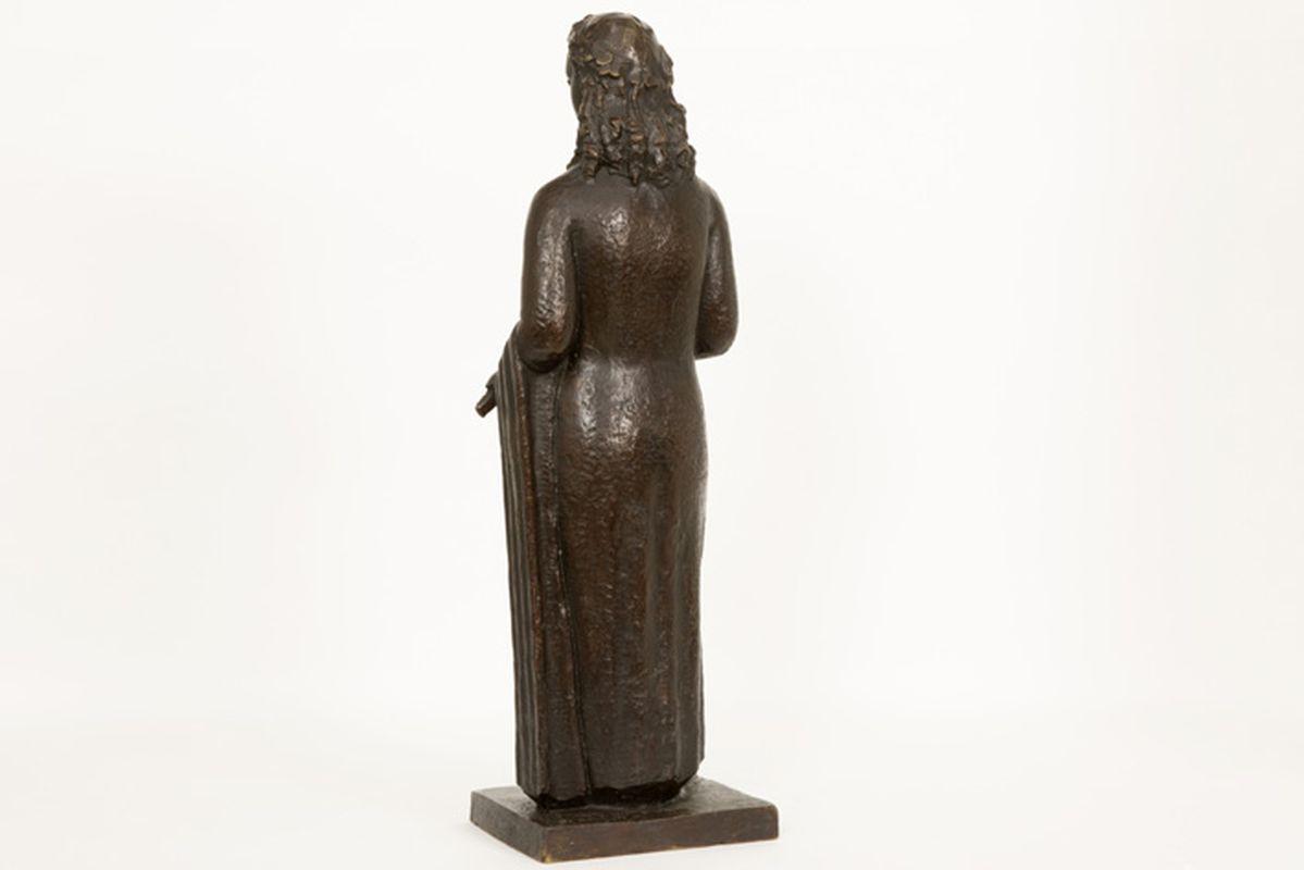 """Los 39 - DE BRAUWER CYRILLE (1914 - 1989) sculptuur in brons : """"Jonge vrouw met banjo"""" - [...]"""