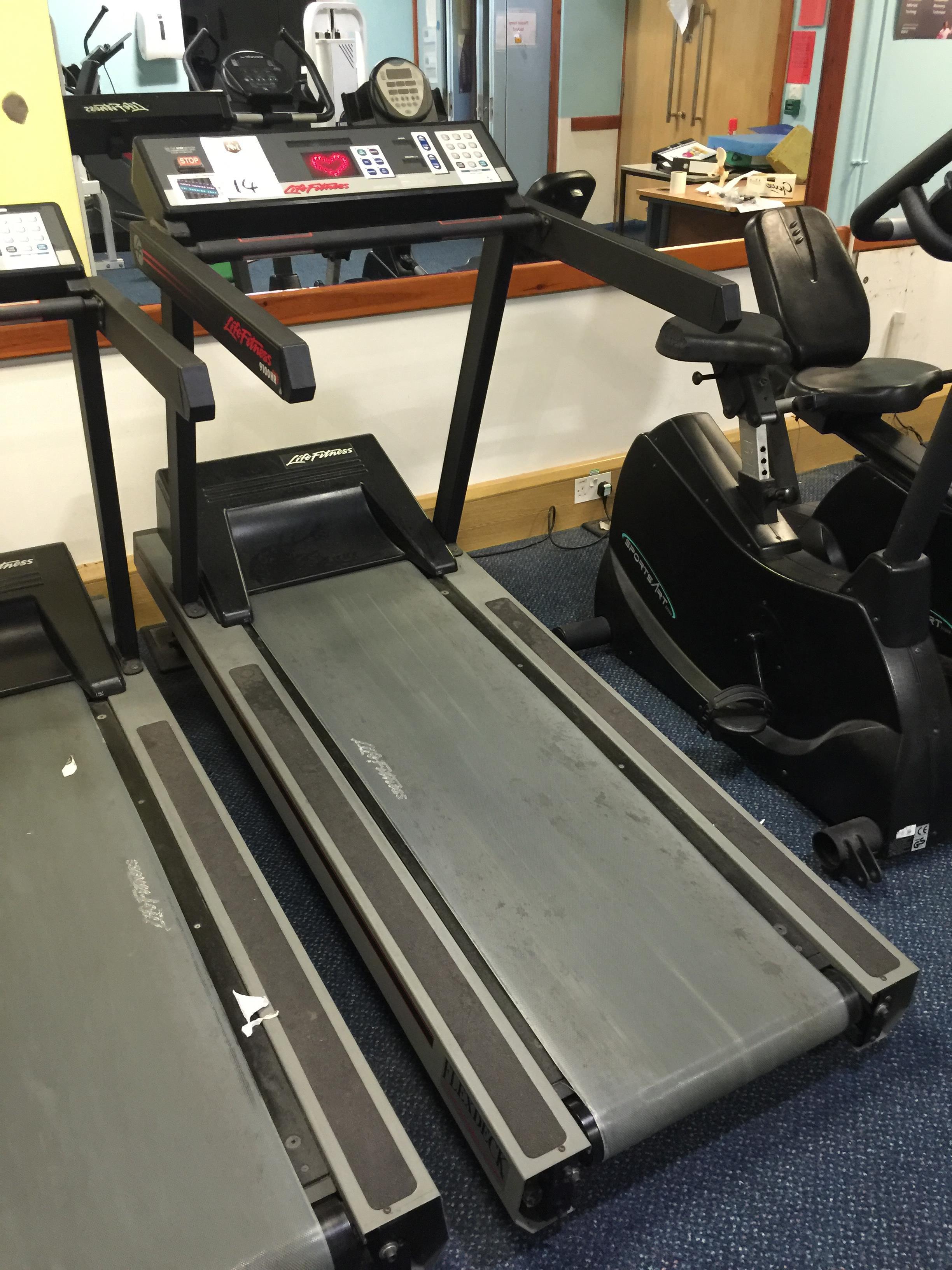 life fitness 9100hr treadmill manual