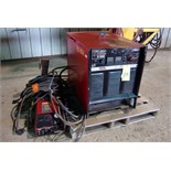 WELDER, LINCOLN MDL. CV400, 400 amps @ 36 v., 100% duty cycle, Mdl. LF72 wire feeder, S/N