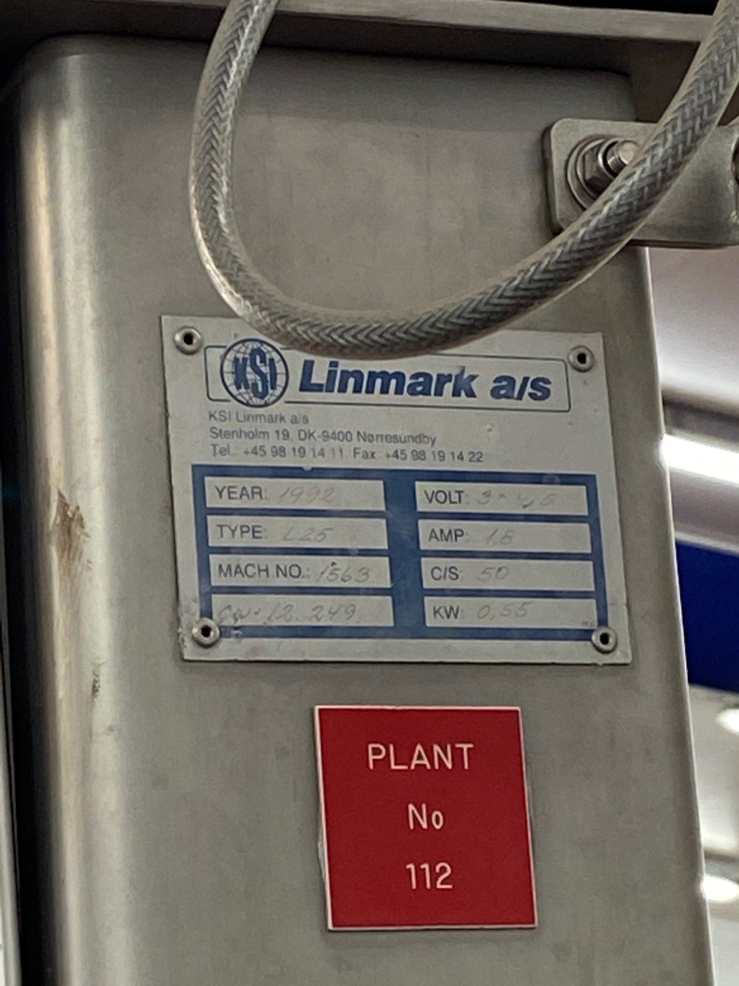 Lot 92 - Linmark, Type: L29, bin hoist, Serial No. 1563 (1992) with safety cage, as lotted