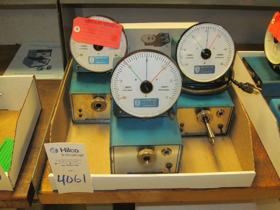 Lot 4061 - Western Gage Model Micro Air Air Comparators