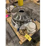Russell Compact Sieve Model 17240 S/N DF4390 (Rigging Fee - $50)