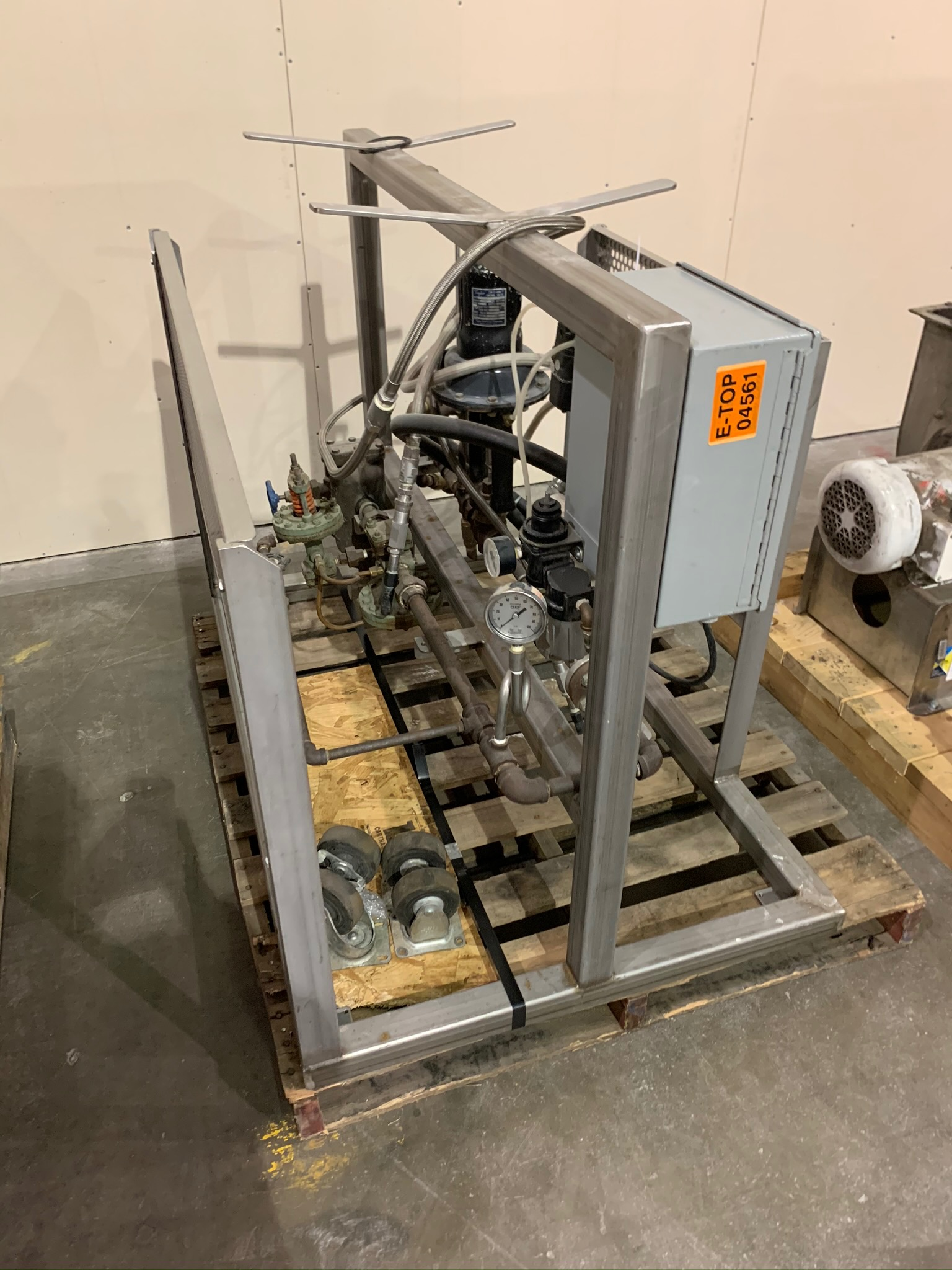 Lot 34 - Pump and Valve System Unknown OEM (Rigging Fee - $50)