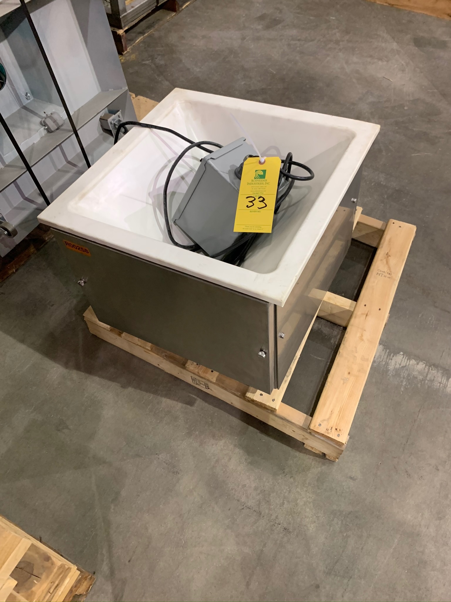 Feeder Box for Accutate Feeder (Rigging Fee - $50) - Image 3 of 3