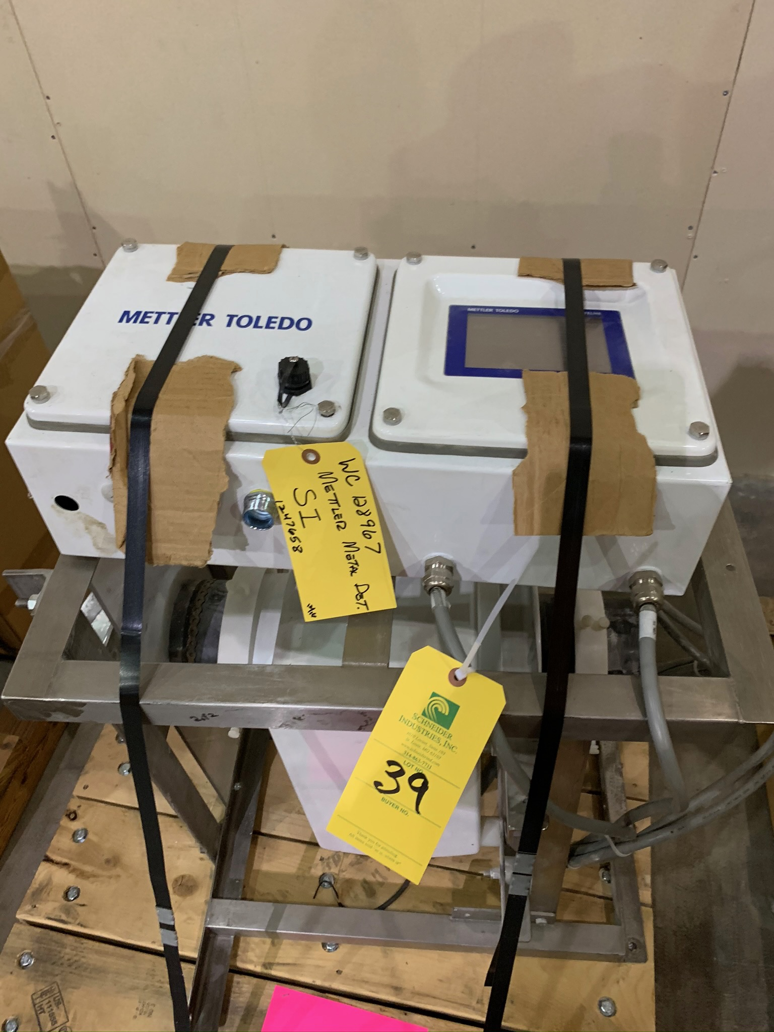 Lot 39 - Mettler Toledo 6 Inch Aperture Flow Through Metal Detector S/N 117774 (Rigging Fee - $50)