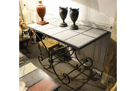 Table De Boucher En Fer Forge A Patine Brune Pietement A