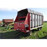 Gehl 970 forage wagon on Badger gear, 10.00-15 tires, tandem rear axle, 3-beater, roof, SN 47531