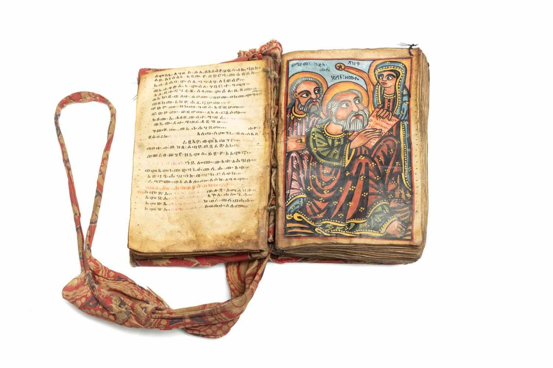 ÄTHIOPISCHE BIBELManuskript. [Äthiopien ca. 1820-30]. 8°. (14, 3 x 9, 8 cm.). 140 Bll. Mit 8 - Image 4 of 4