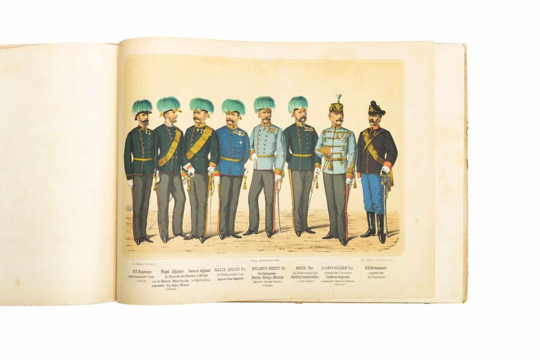 MILITÄRISCHES PRACHTBILDERBUCHWien, M. Perles [1886]. qu.-2°. Tit., 22 chromolithogr. Taf. gedr. bei - Image 2 of 5