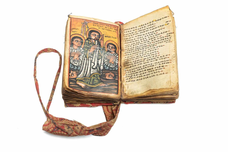 ÄTHIOPISCHE BIBELManuskript. [Äthiopien ca. 1820-30]. 8°. (14, 3 x 9, 8 cm.). 140 Bll. Mit 8 - Image 2 of 4