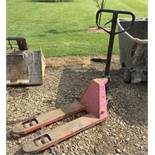 Make Unknown Pallet Truck - (Located in Derby DE72 3RD - Collection By Appointment on Wednesday 12th