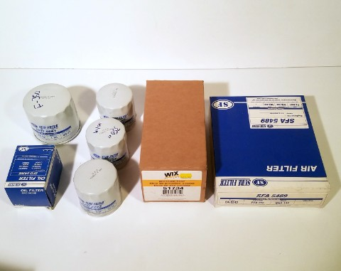 Lot 67 - OIL & AIR FILTERS