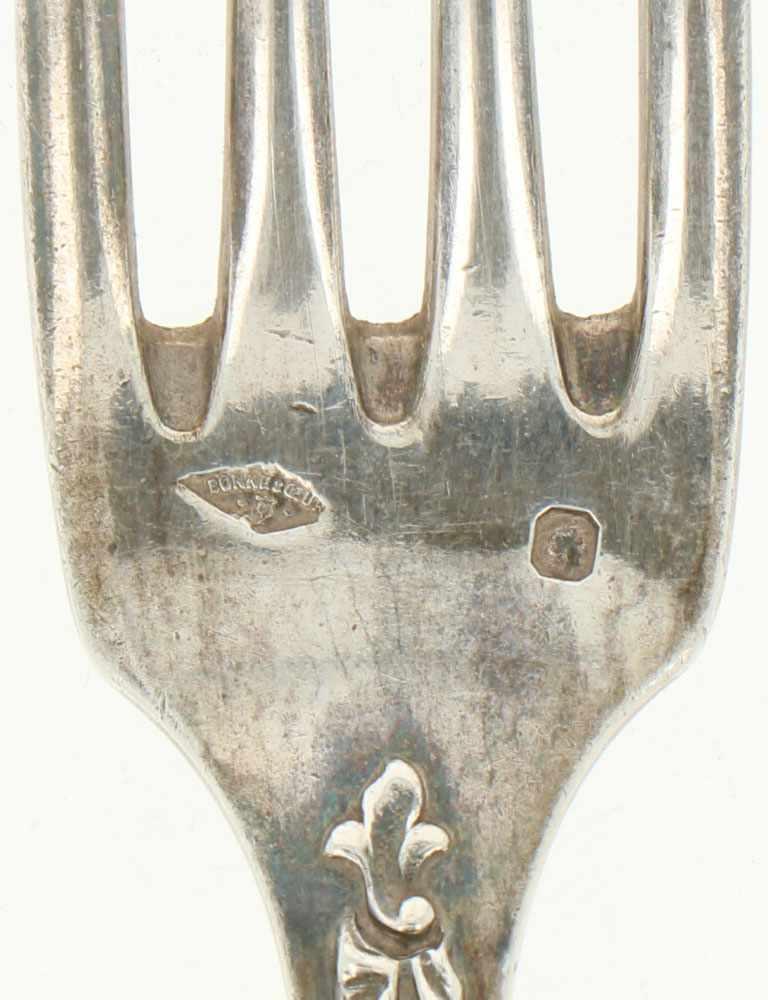 (12) Delige set lepels & vorken zilver.Voorzien van gegoten Jugendstil florale versieringen. - Bild 3 aus 3