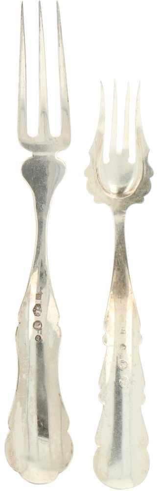 (4) Delig lot vleesvorkjes zilver.Uitgevoerd met gegraveerde versieringen. Nederland, 1865 / 1883, - Bild 2 aus 3