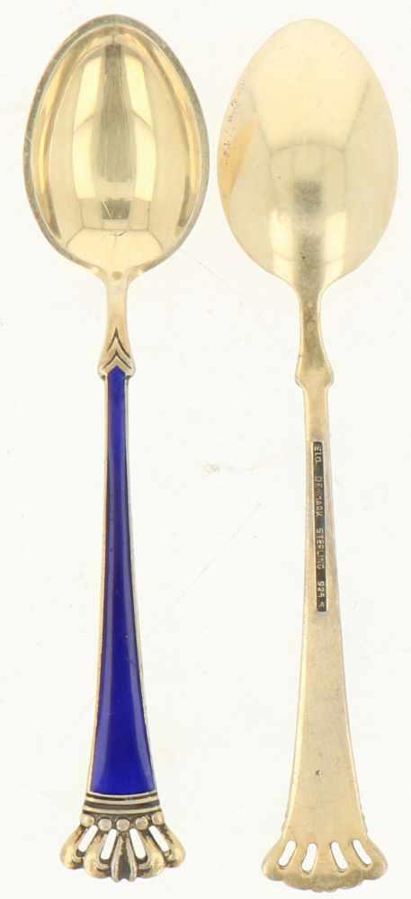 (5) theelepels zilver.Uitgevoerd met emaille versiering afgewerkt met kroon. Denemarken, Kopenhagen, - Bild 2 aus 3