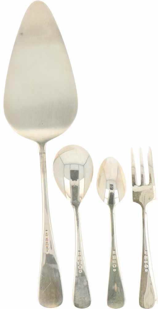 (14) Delige set zilver.Bestaande uit 6 koffielepels, 6 gebaksvorkjes, taartschep en suikerlepel. - Bild 2 aus 3