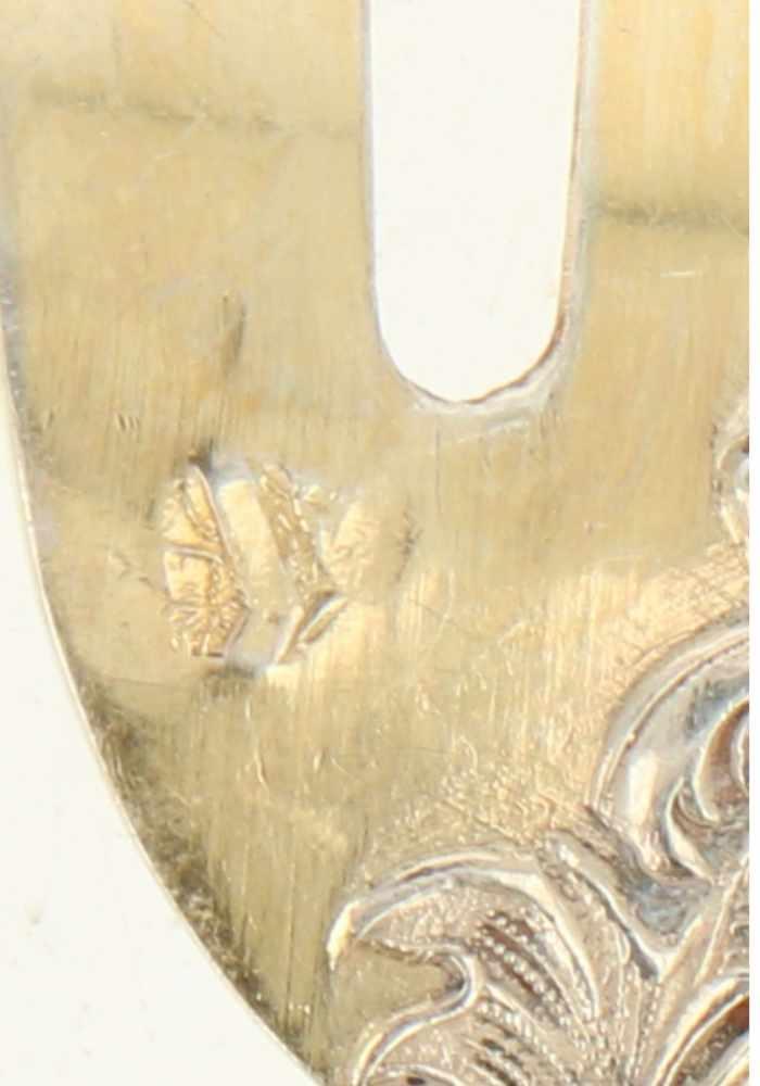(11) Oestervorkjes zilver.Met rocaille decoratie en vergulde vorktandjes. Frankrijk, Parijs, V. - Bild 3 aus 4
