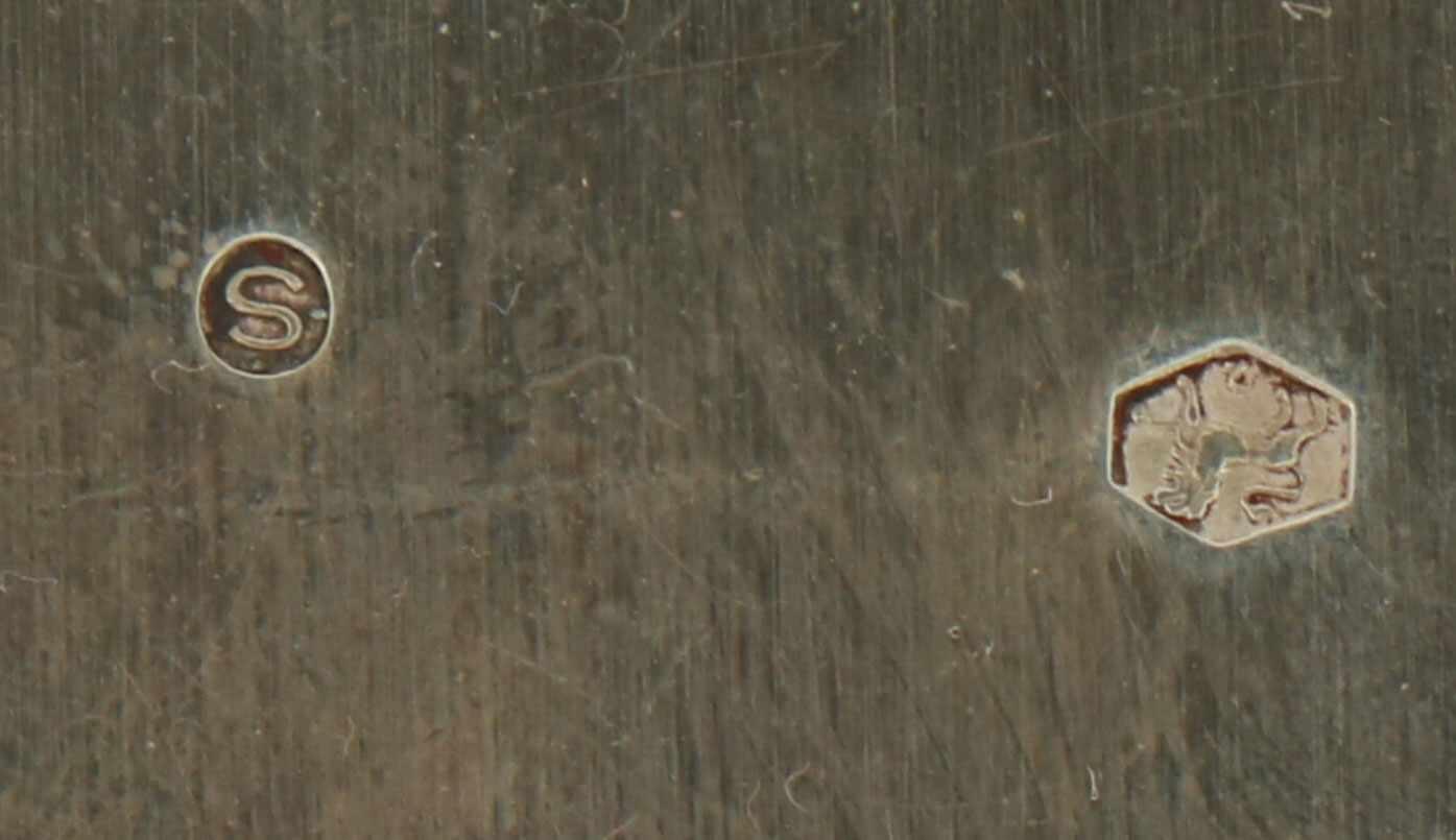 Dienblad zilver.Klein ovaal model voorzien met ajour opengewerkte randen en opgesoldeerde - Bild 4 aus 4