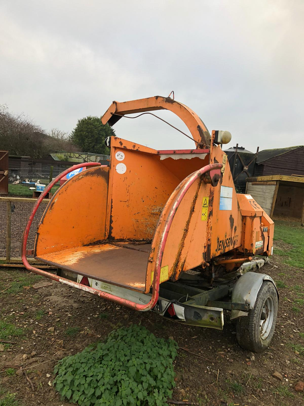 DS - QUALITY 2004 JENSEN DIESEL TURNTABLE CHIPPER, QUALITY TRAILER - Bild 4 aus 8