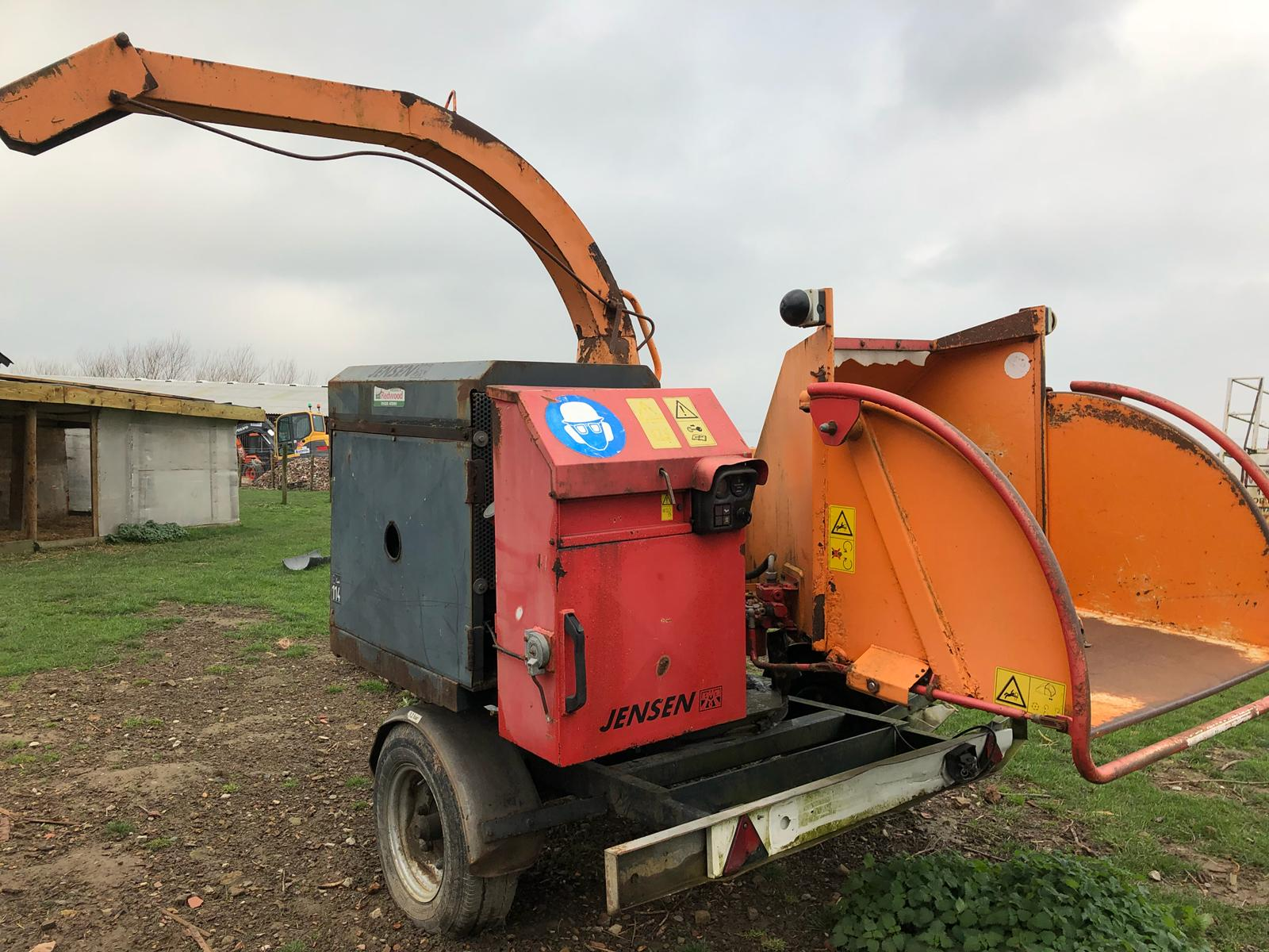 DS - QUALITY 2004 JENSEN DIESEL TURNTABLE CHIPPER, QUALITY TRAILER - Bild 3 aus 8